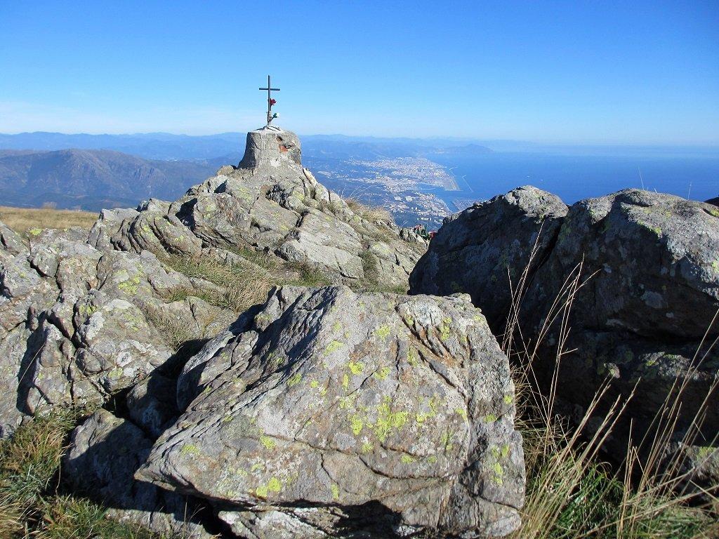 Monte Reixa con Genova sul fondo