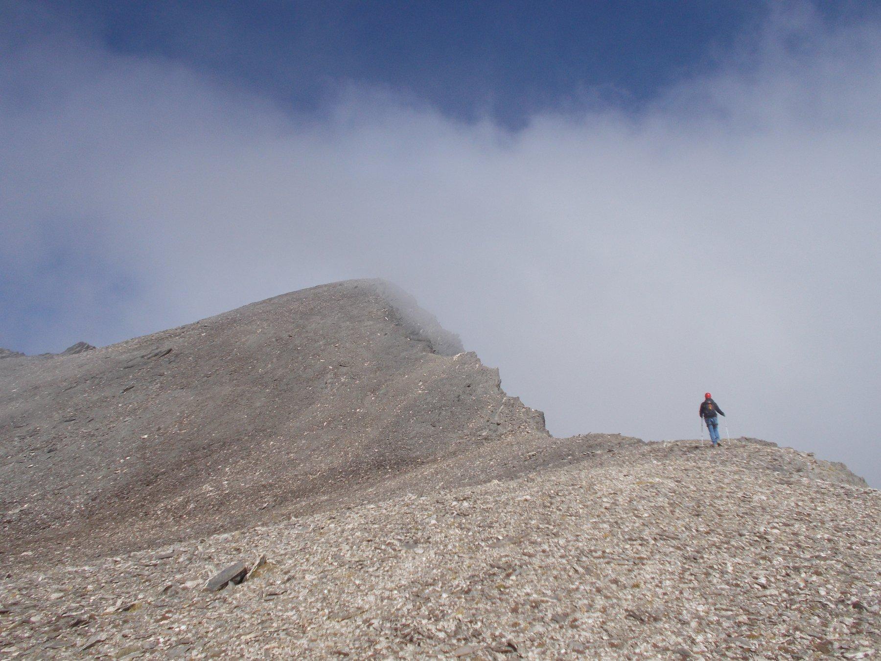 procedendo in direzione della cima del vallone del Lupo..di fronte