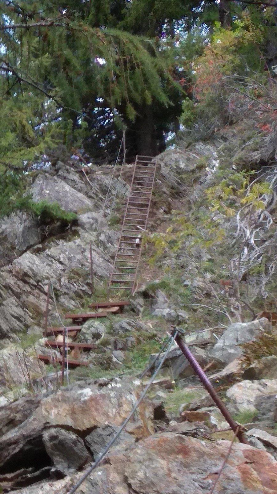 la via parte 30 m prima di questa scala