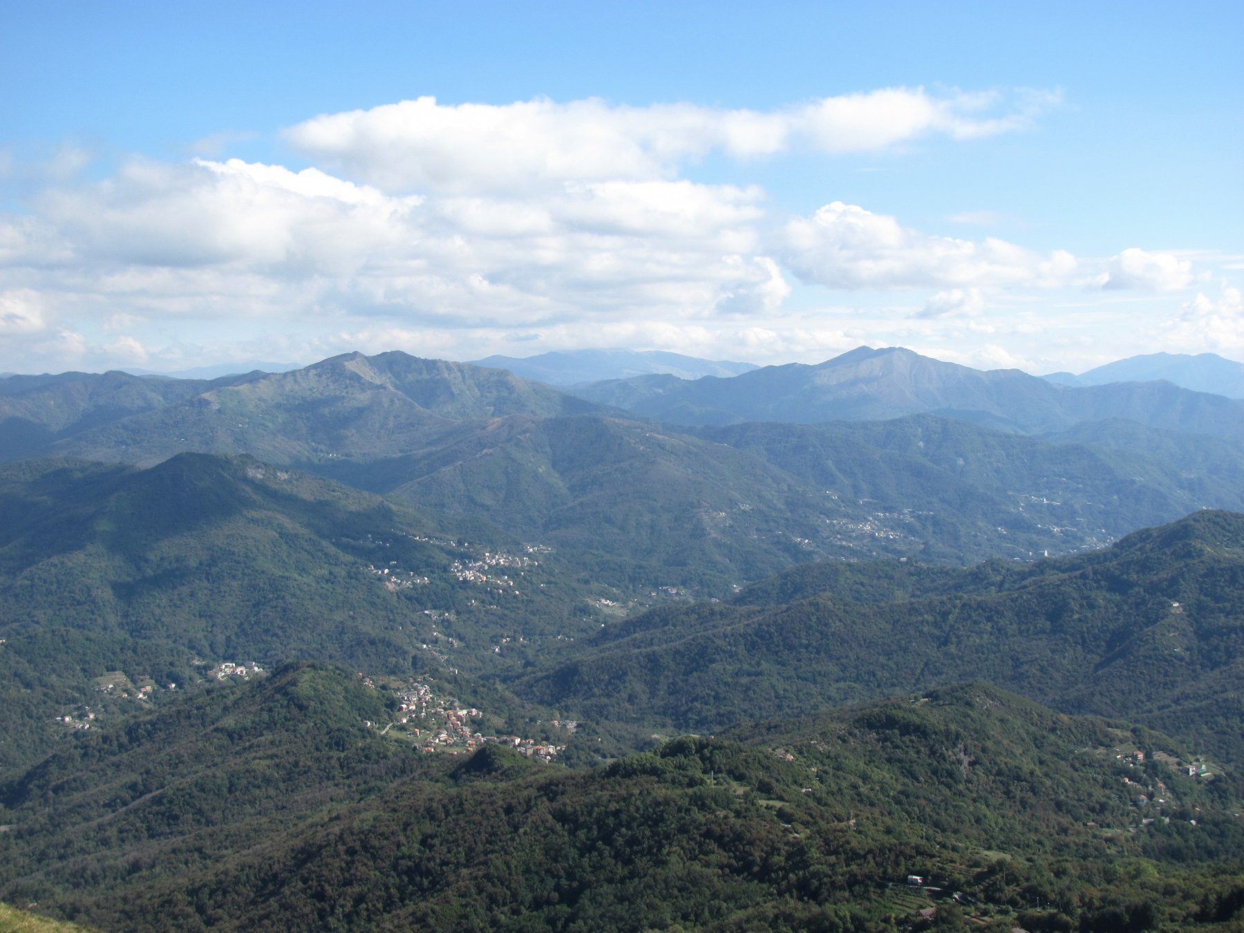 val Fontanabuona, con sfondo M, Caucaso e Ramaceto