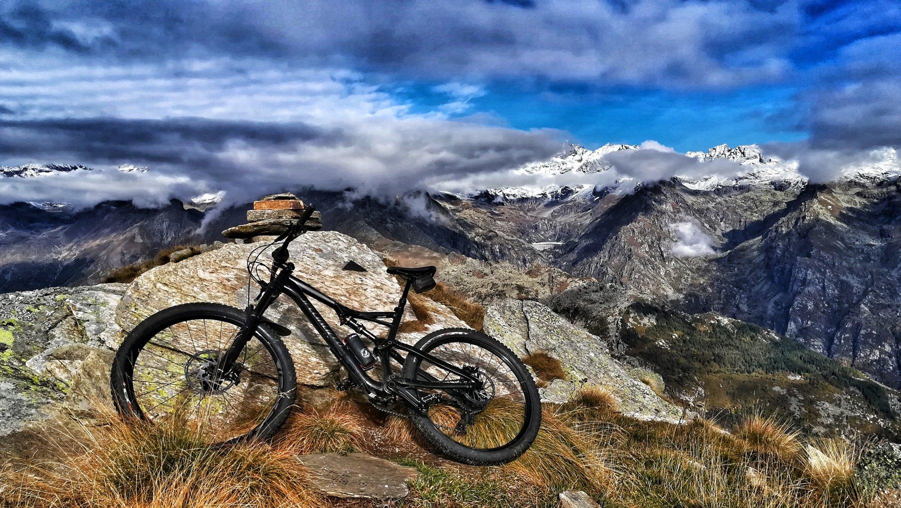 Foto di vetta e vista privilegiata sul vallone di Piantonetto