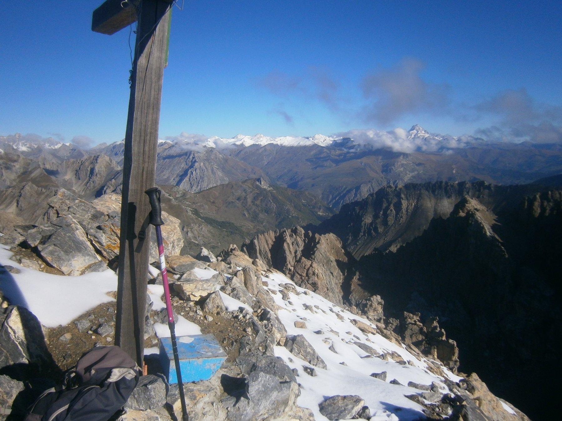Una spruzzata di neve in vetta all'Oserot