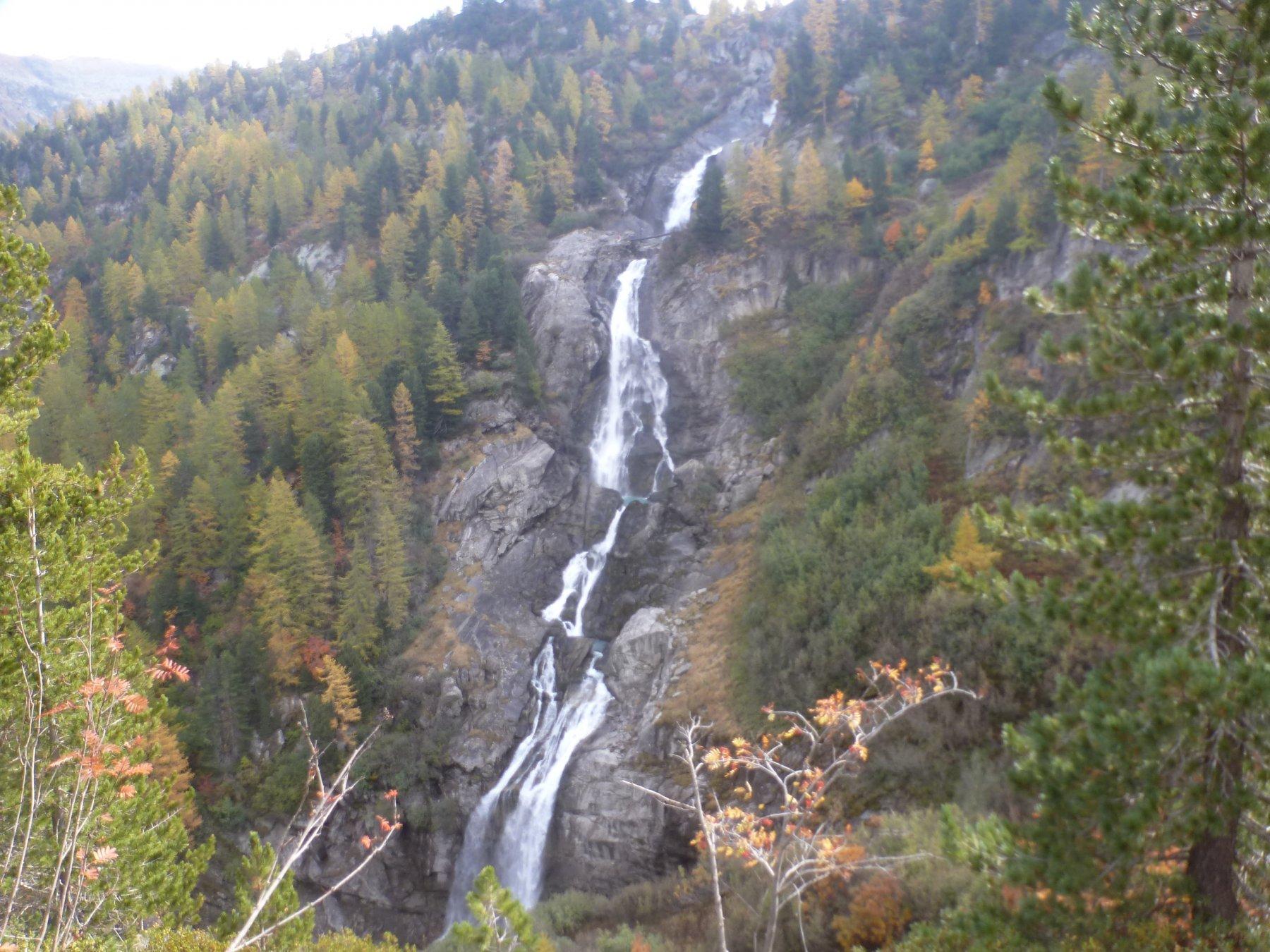 seconda e terza cascata dal sentiero di discesa