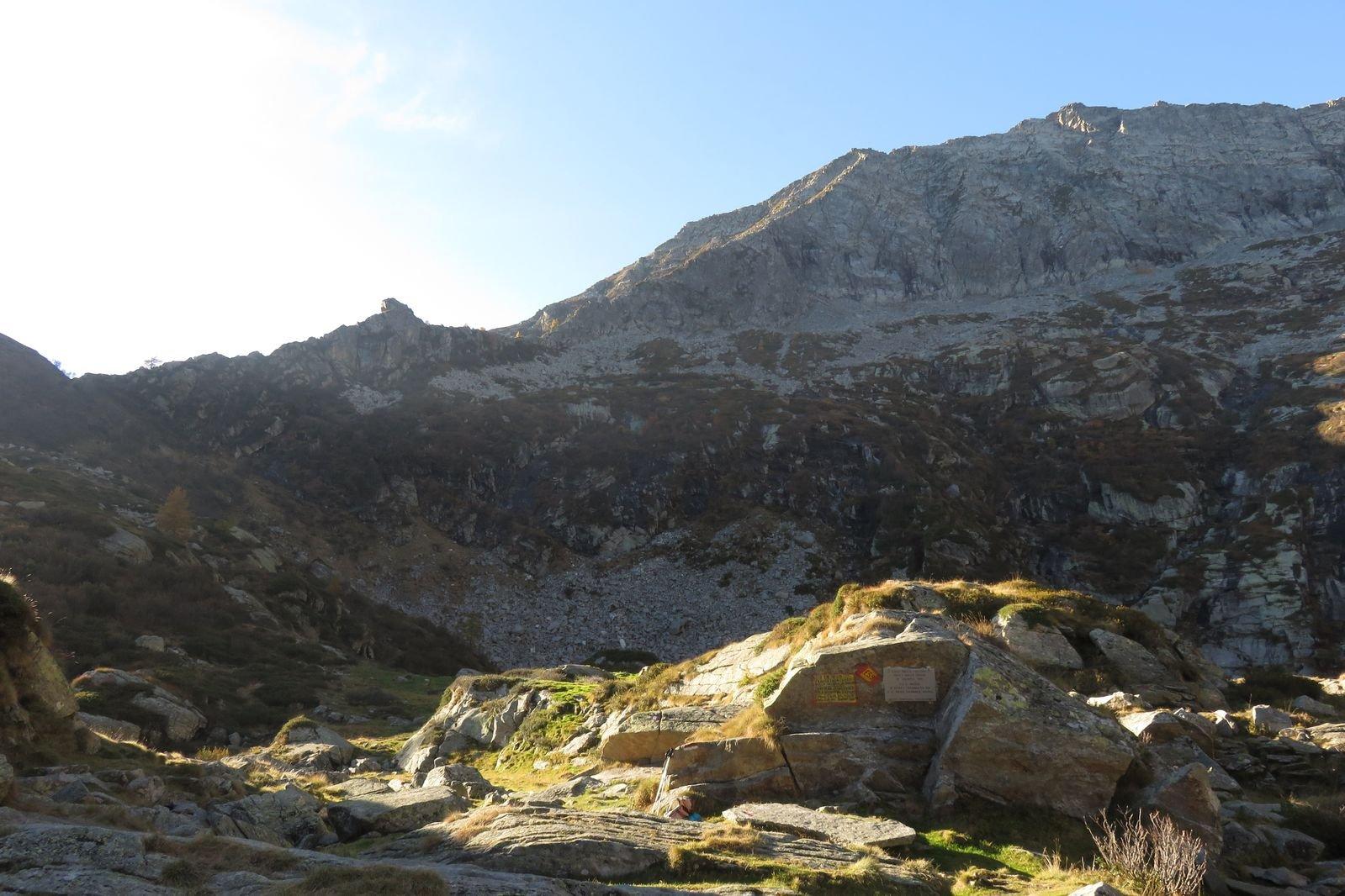 la cresta vista dal lago della vecchia
