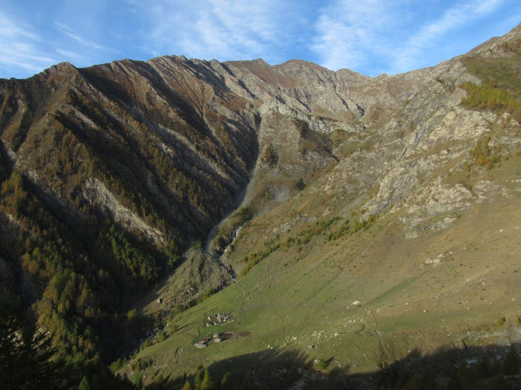 Vallone di Crosenna salendo al Col Cuntent