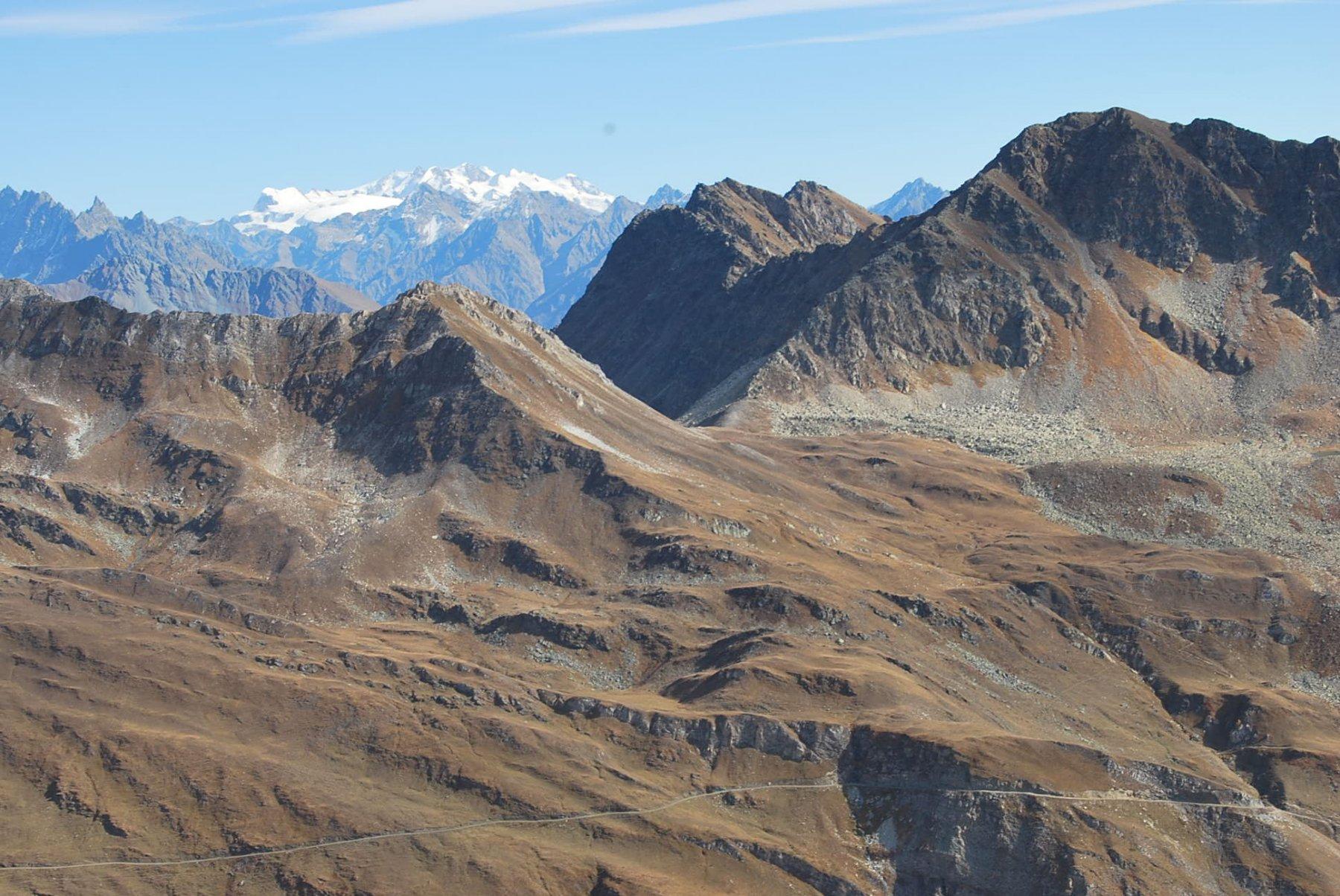 Panorami da favola: Col Serena e Monte Rosa dalla cima 2825 m