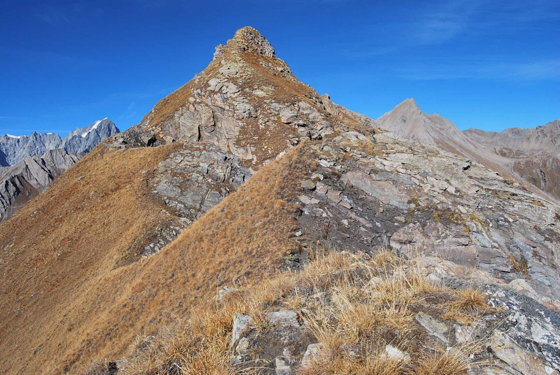 La cima 2825 m vista arrivando sulla vetta della Tete Noire