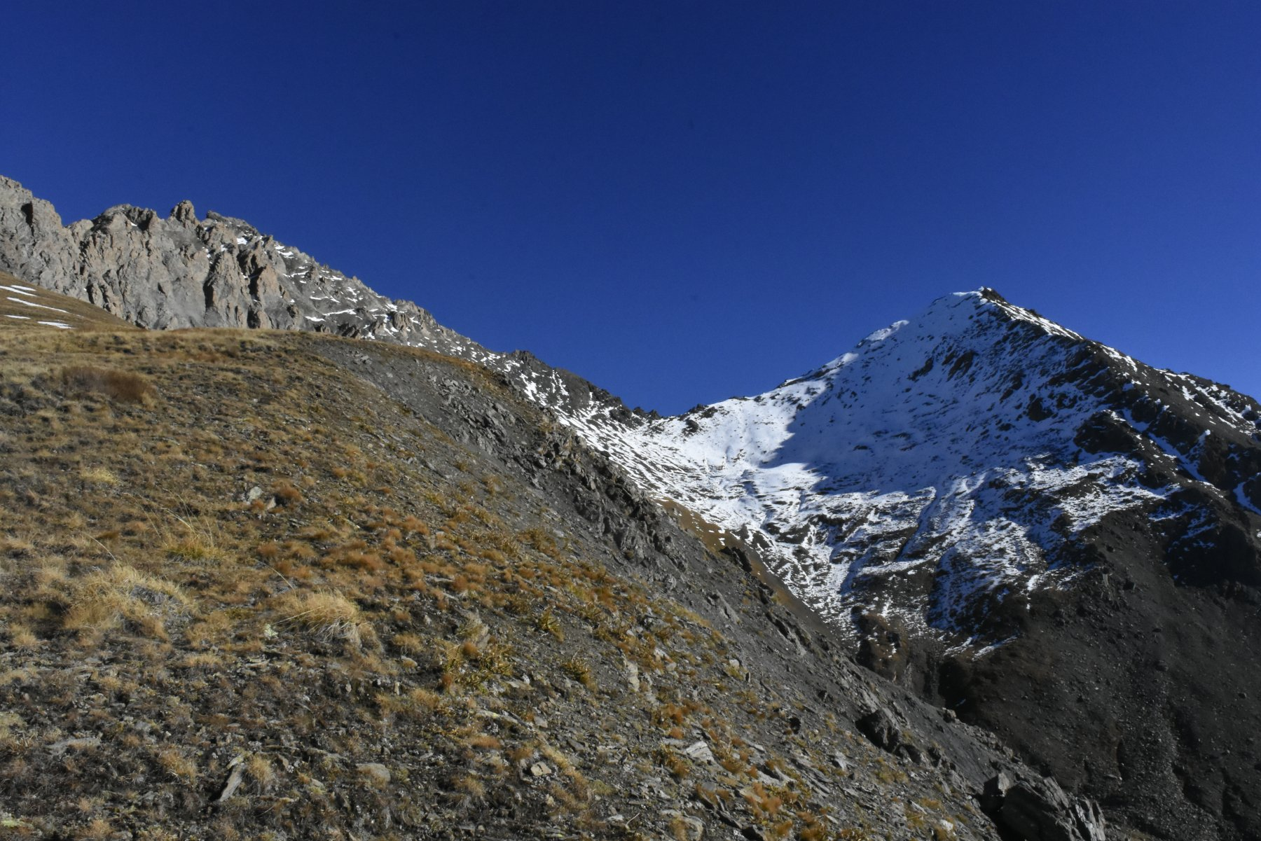 il Platasse visto dalla dorsale delle Rocce del Rouit