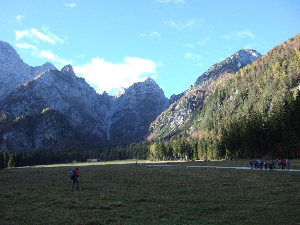 la vasta piana dell' Alpe del Lago