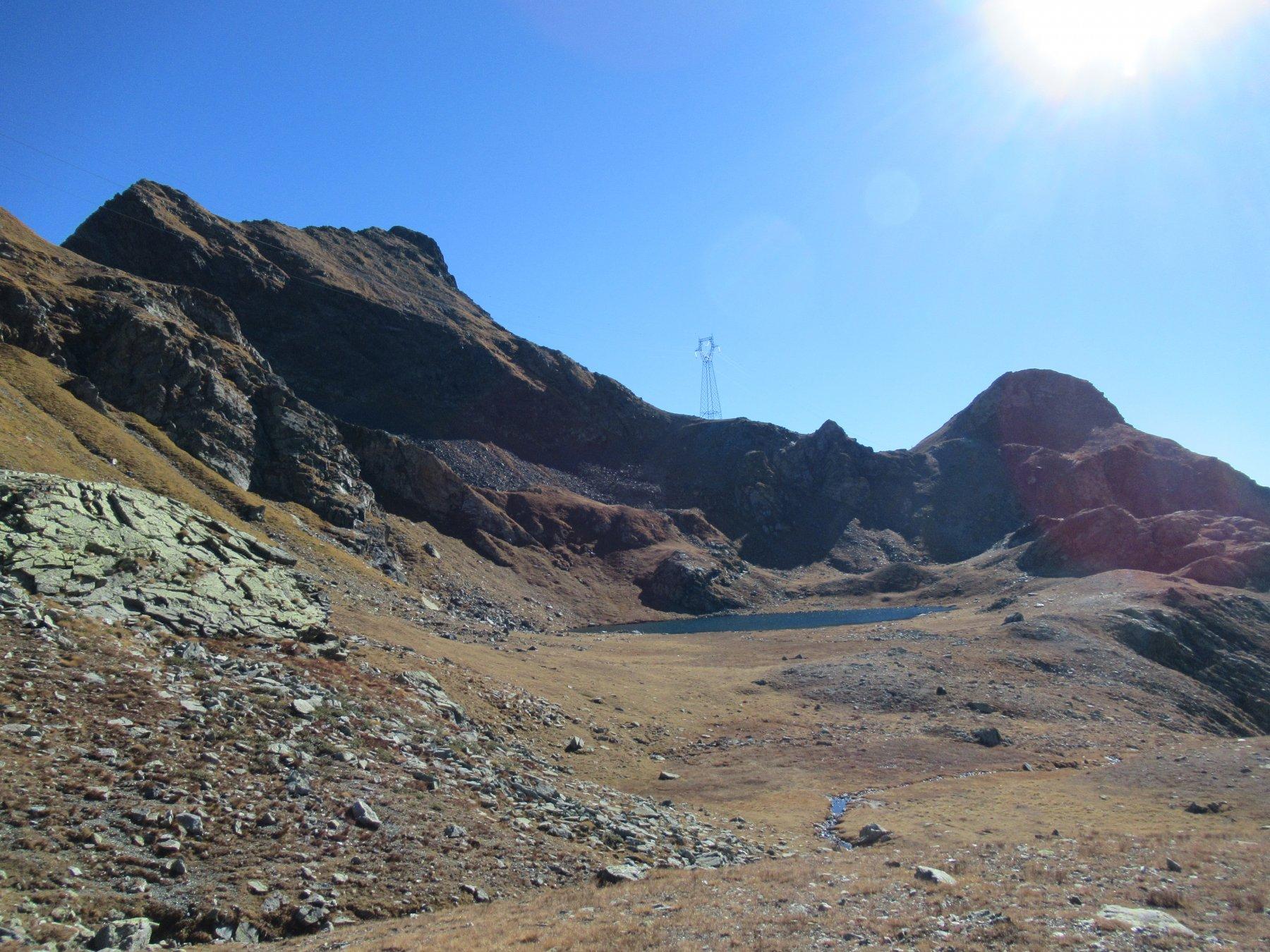 Il Monte Nero a sx del traliccio