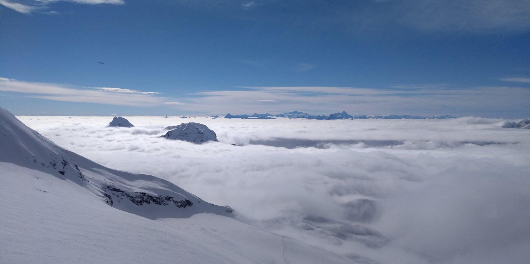 Mare di nubi sotto il plateau