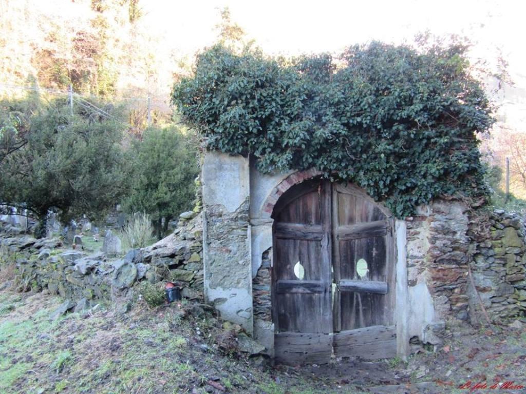 L'ingresso del cimiterino