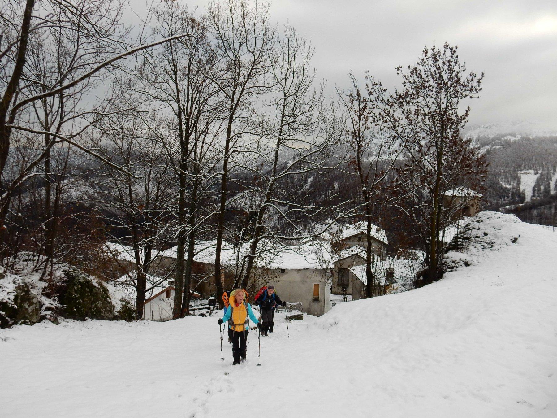 Partenza da Niquidetto con pochi cm. di neve fresca.