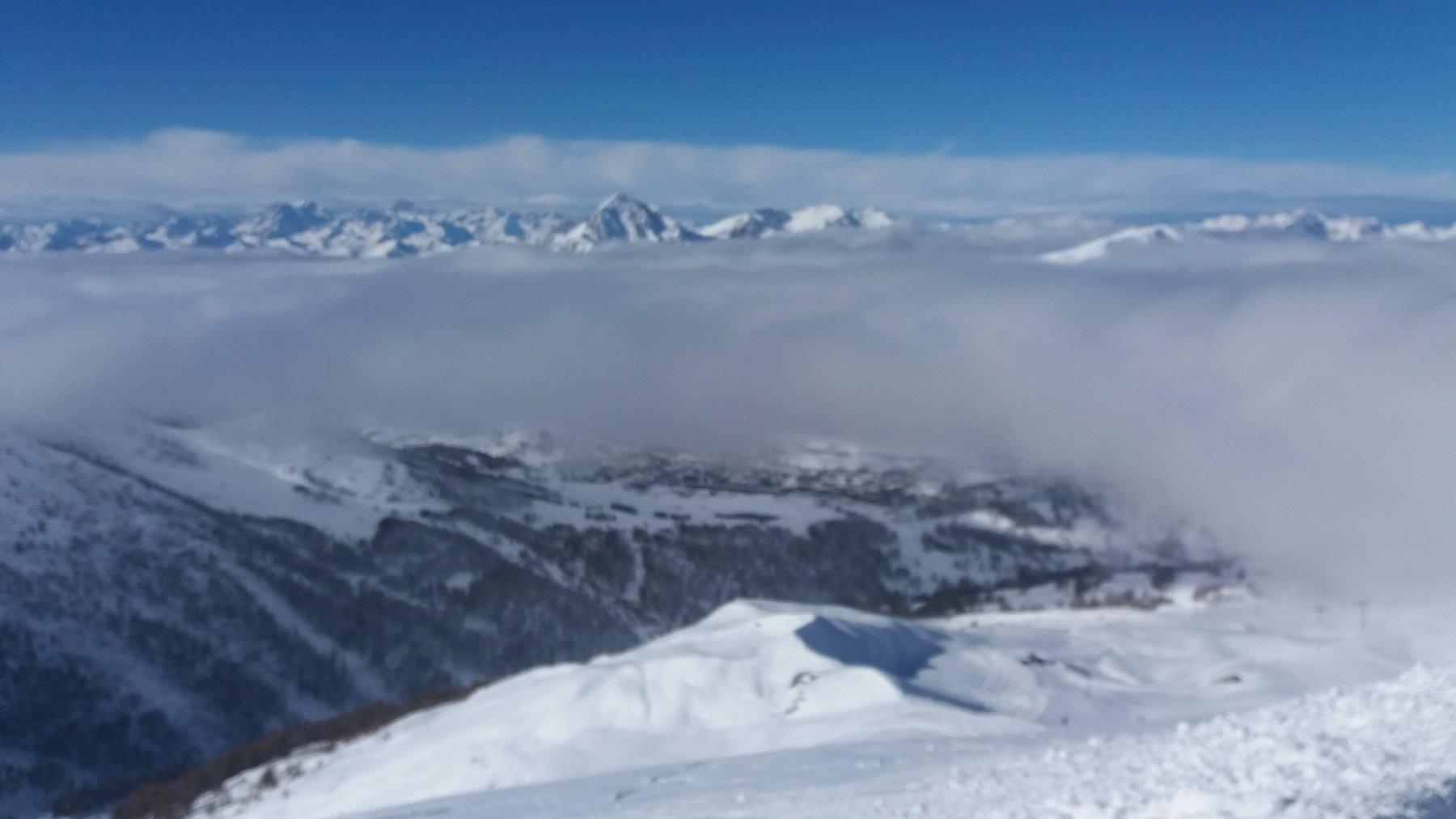 Qualche banco di nubi in mattinata