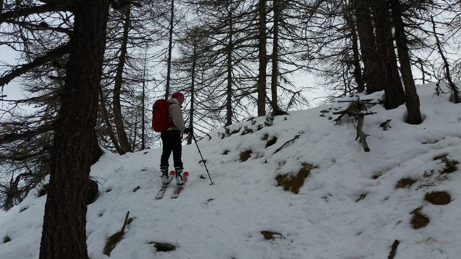 Poca neve sul sentiero per il pilone