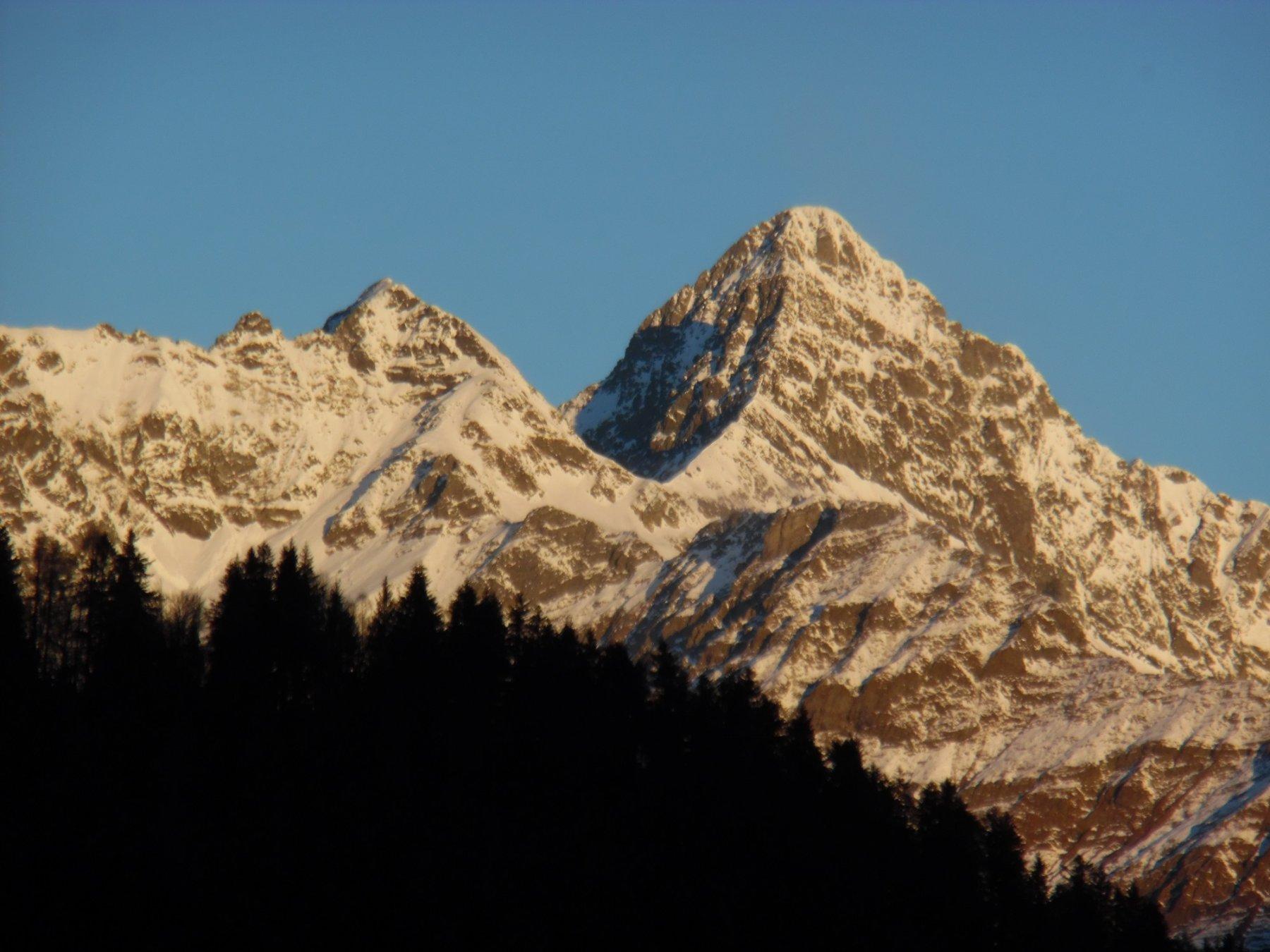 Poris, Passo di Valsecca e Diavolo di Tenda