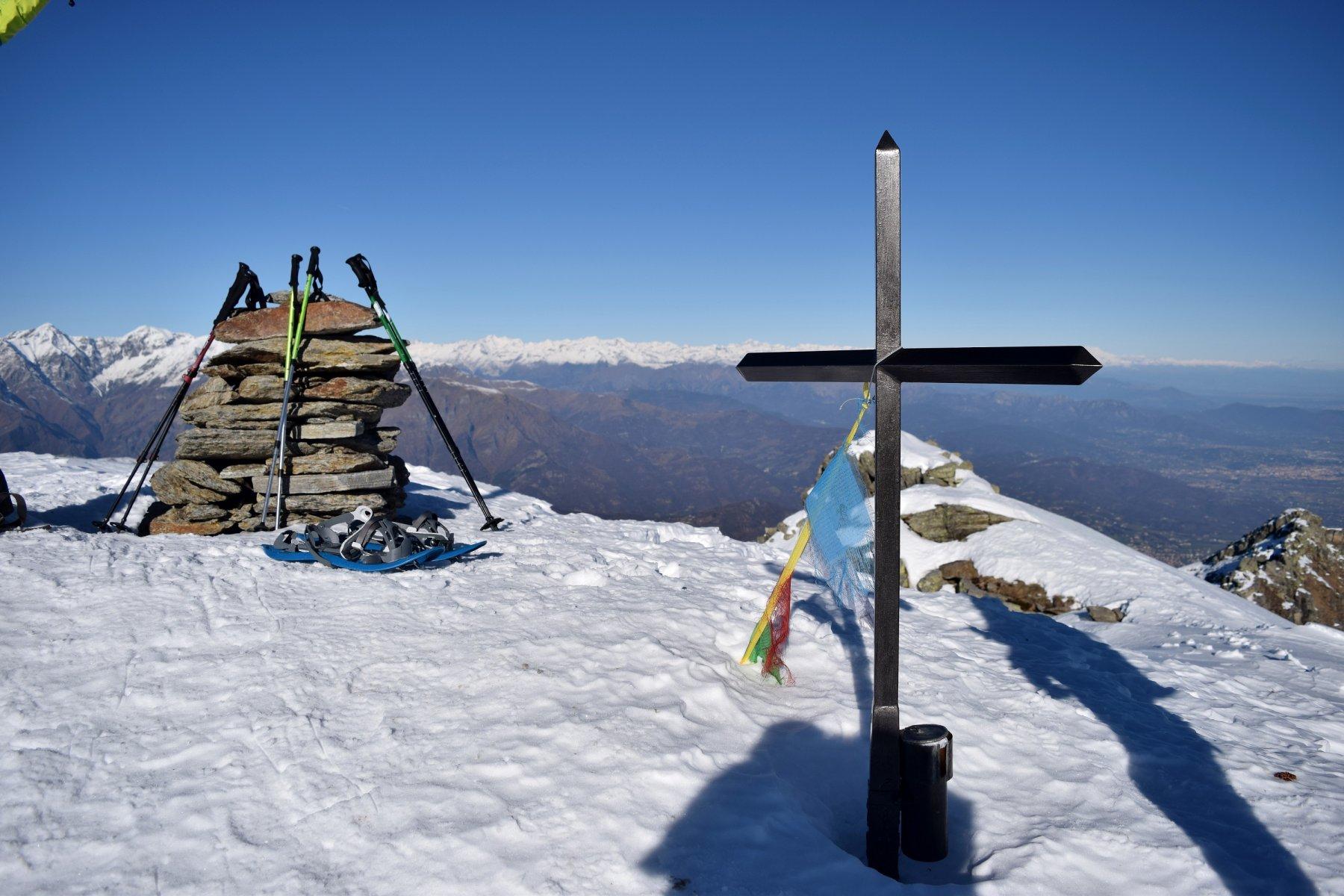 Sulla vetta di Punta Ostanetta (2385 m.s.l.m.)