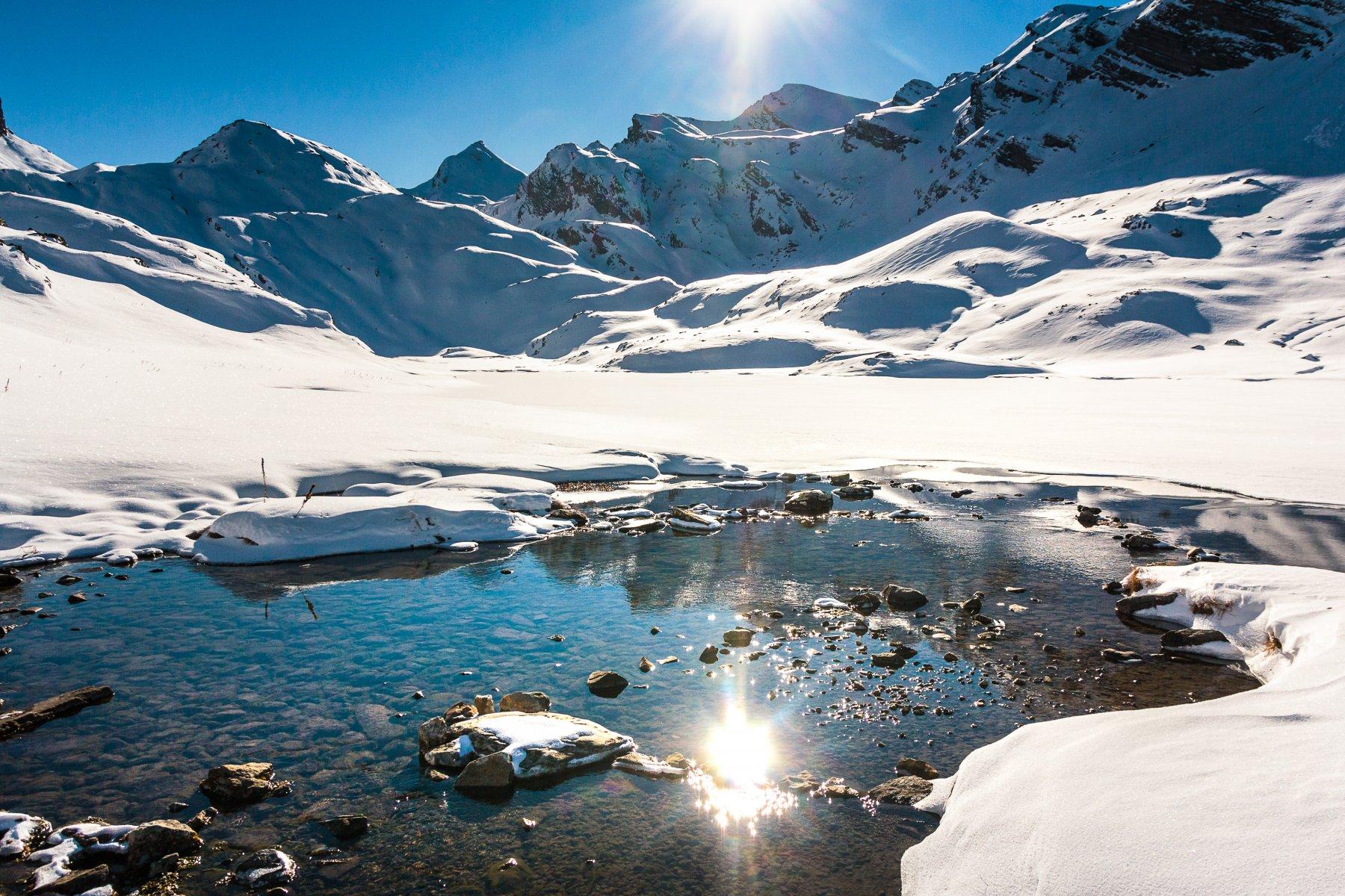 Parte di laghetto scongelato