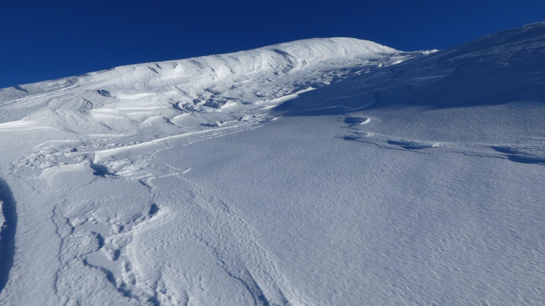 il pendio-rampa finale che porta verso la cima del Morefreddo