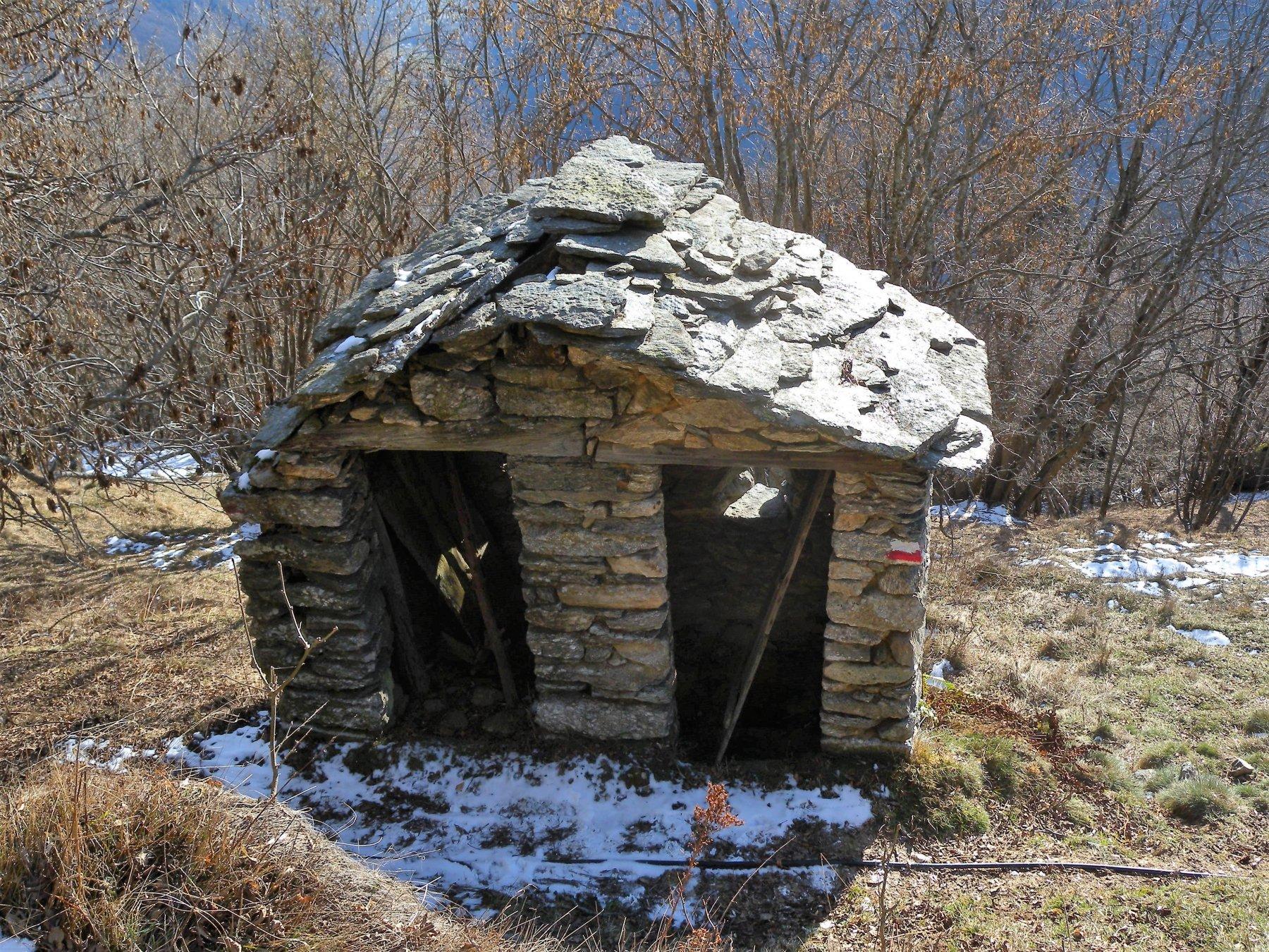 Curioso doppio WC case Biollè