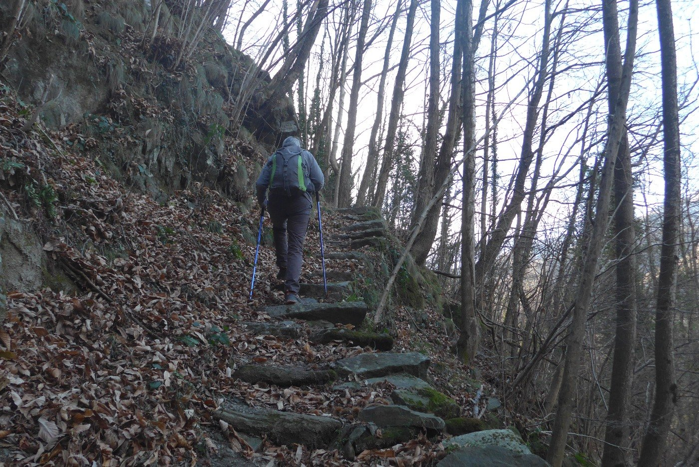 Sulla prima scalinata
