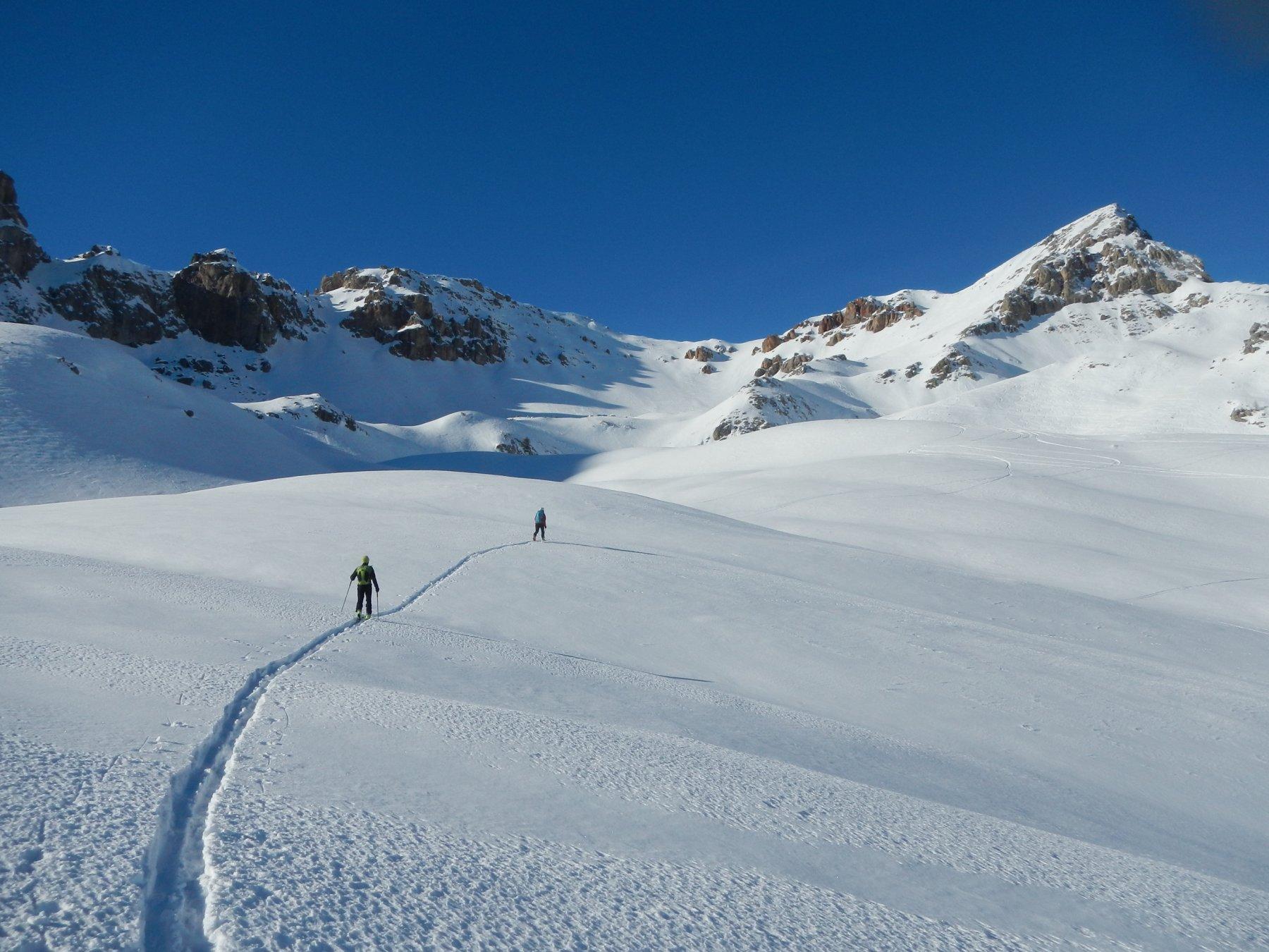 l'attraversamento dell'ampio vallone degli Chalets d'Izoard