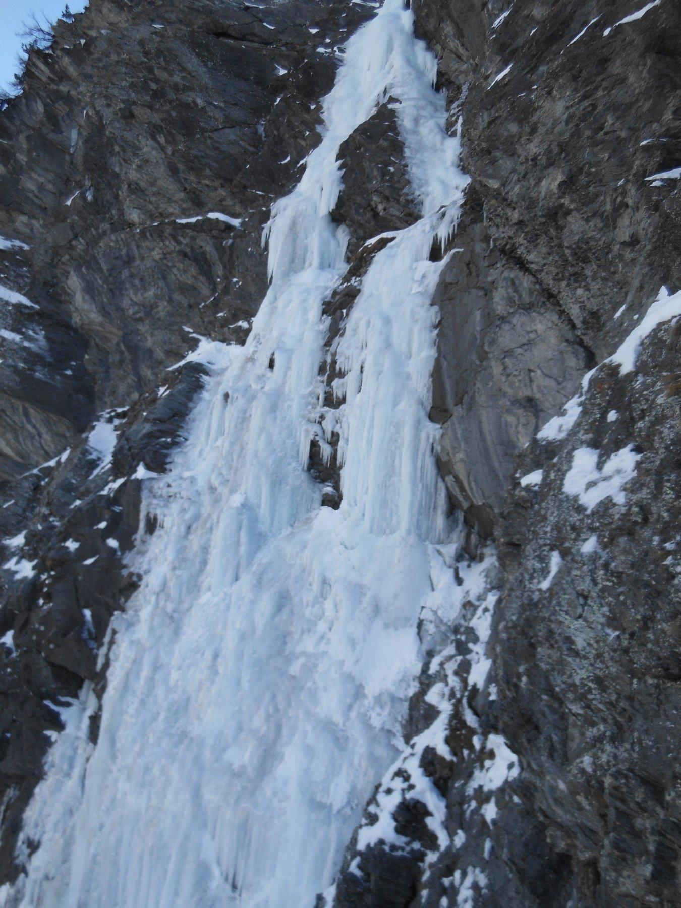 I due rami della cascata del Boucher (zoom su parte centrale)