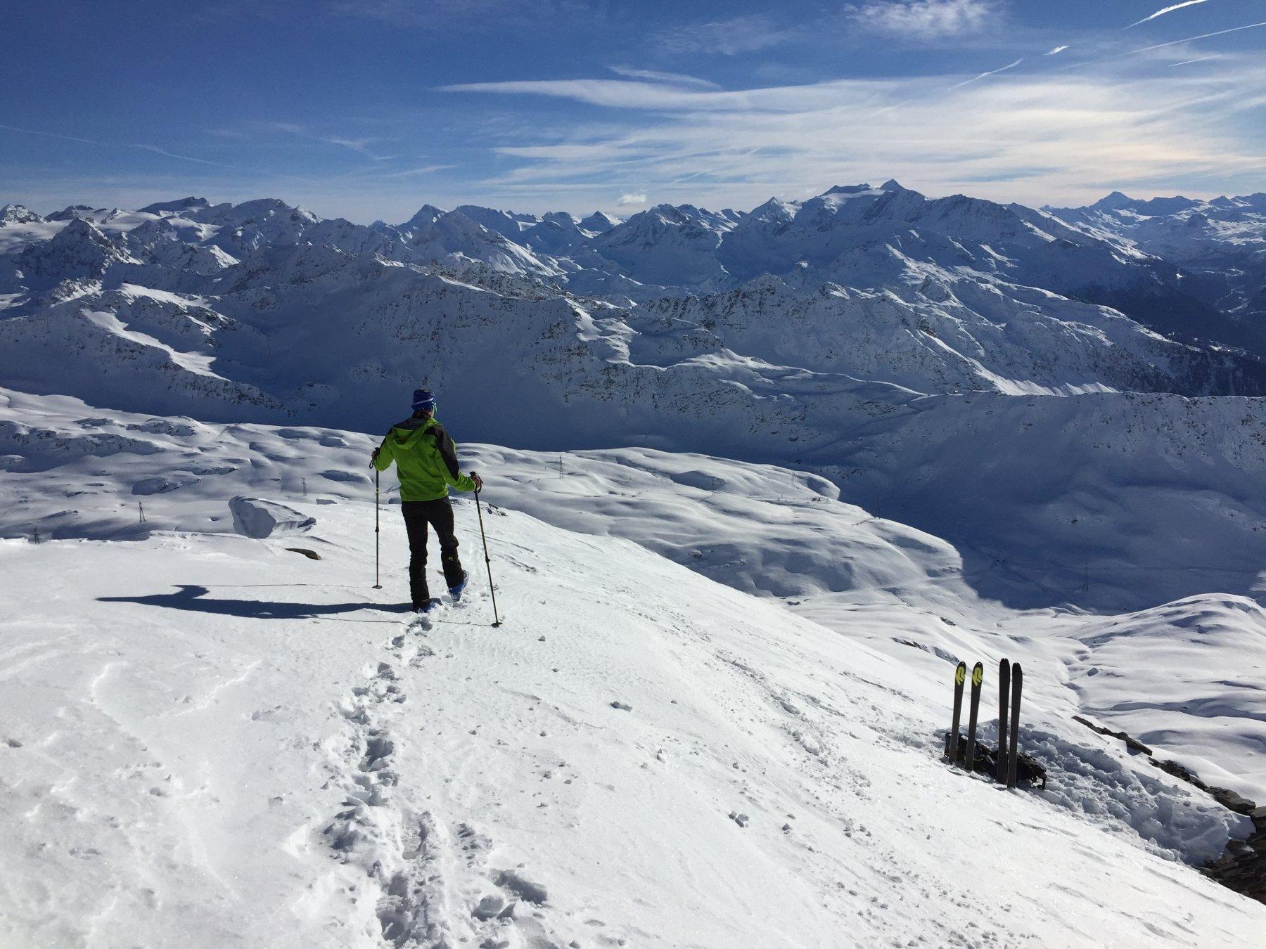 parte finale a piedi, e comodo deposito sci..