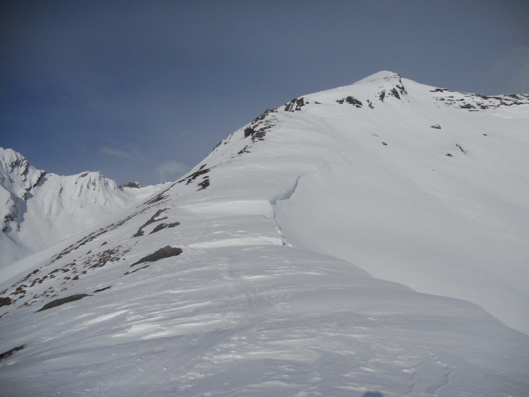 la cresta e la via di salita...