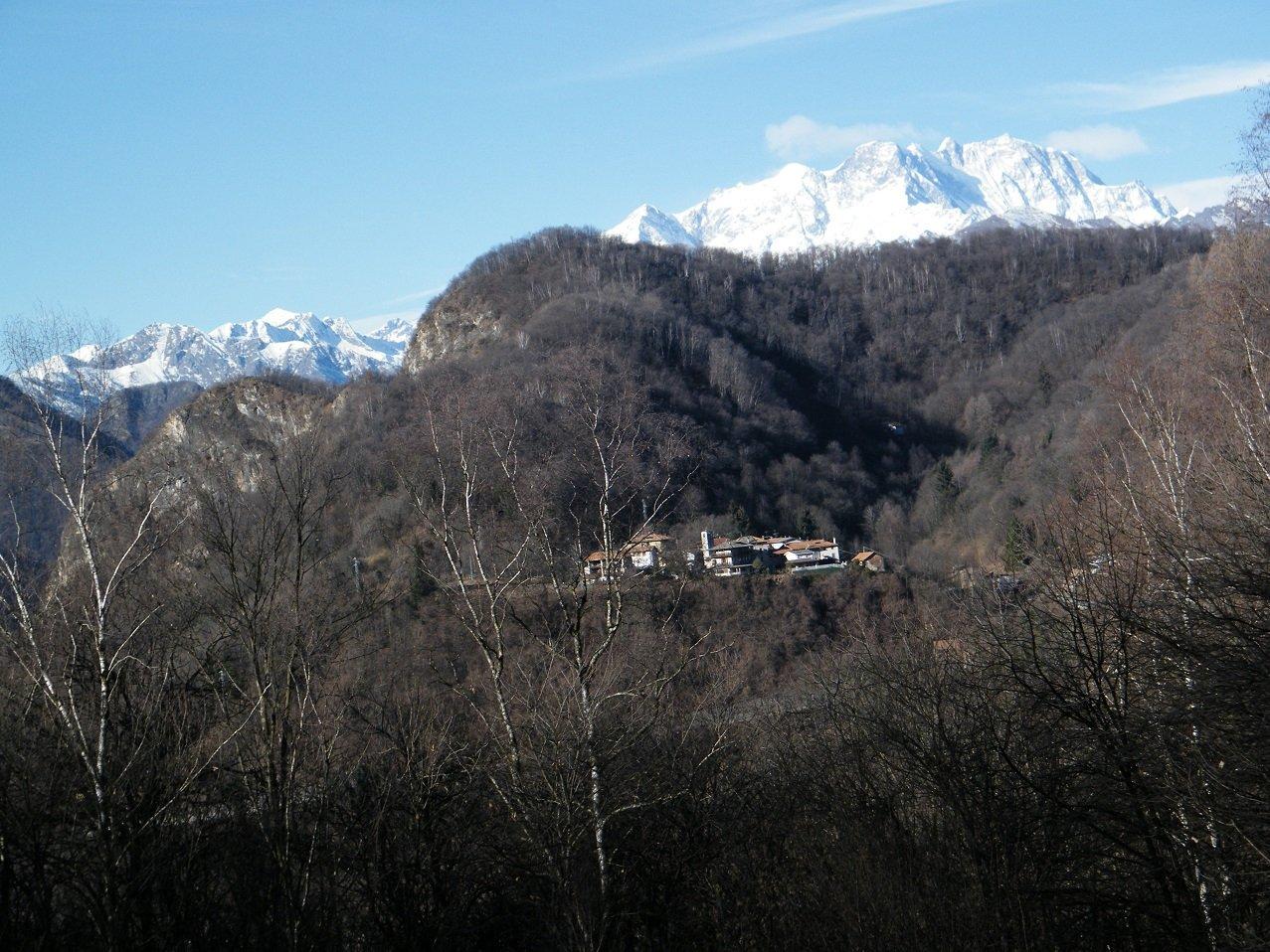 Civiasco ed il Monte Rosa dai pressi dell'Alpe Verceui.