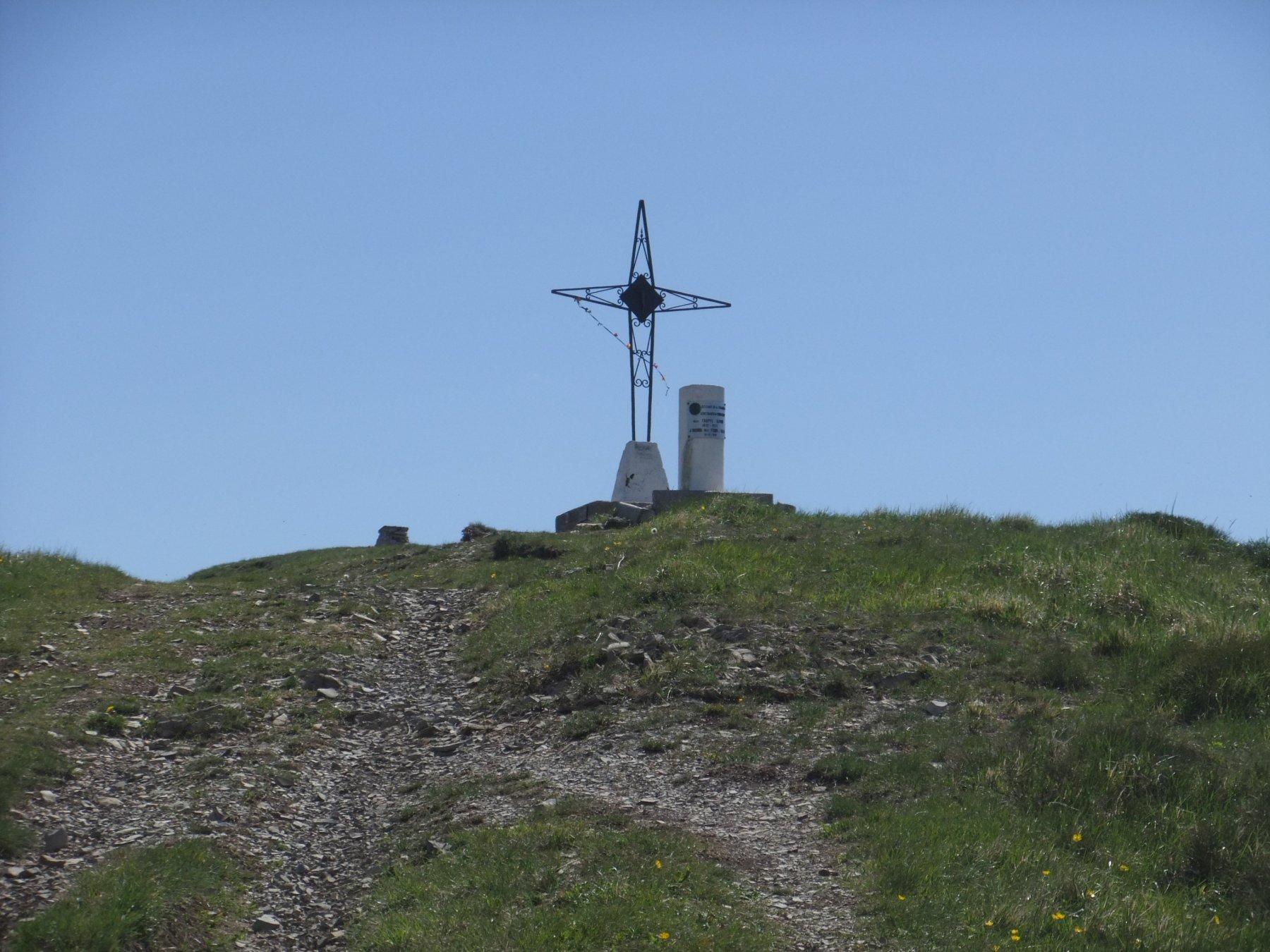 Ebro (Monte) da Cornareto per le Coste Branca, Braglie e Rivazza 2020-04-13