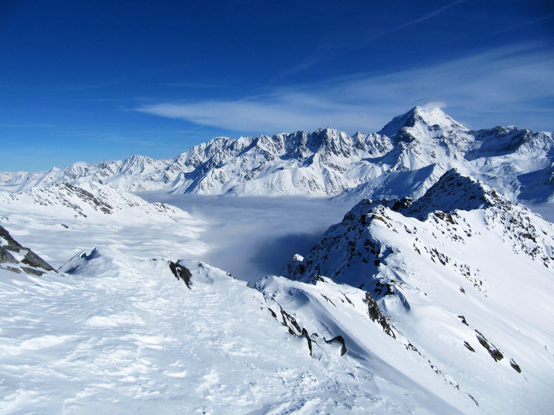 Mare di nubi sulla valle di Orsieres