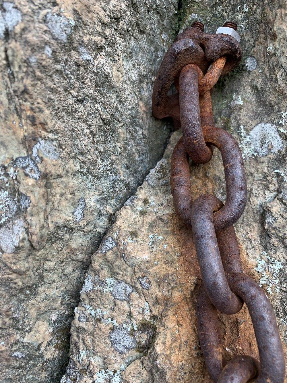 Storico ancoraggio su roccia ruvida e compatta