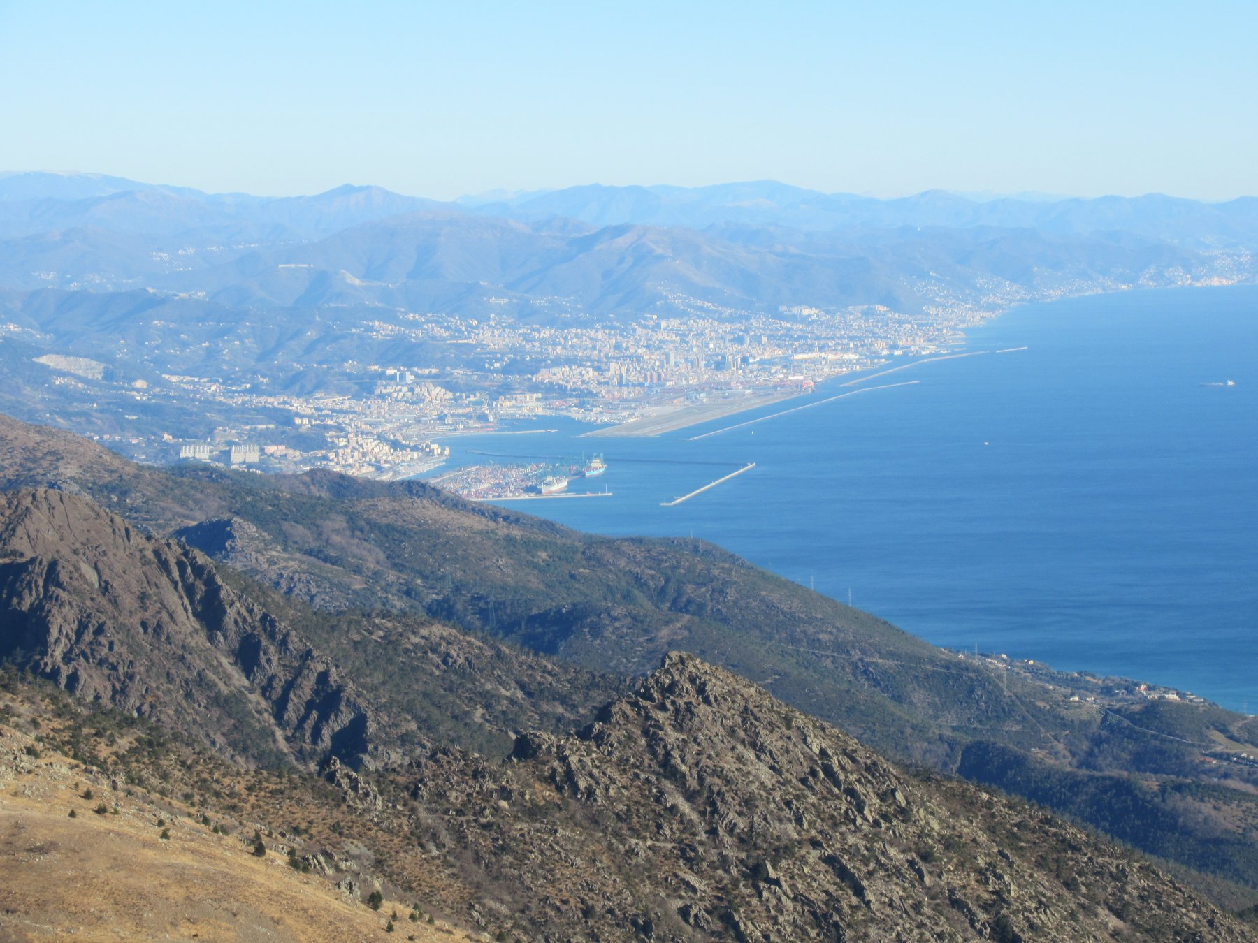 Genova dal Monte Sciguello