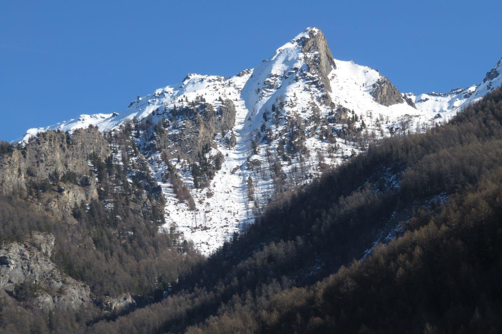 il canale/parete oggi visto dalla strada a monte di Pragelato