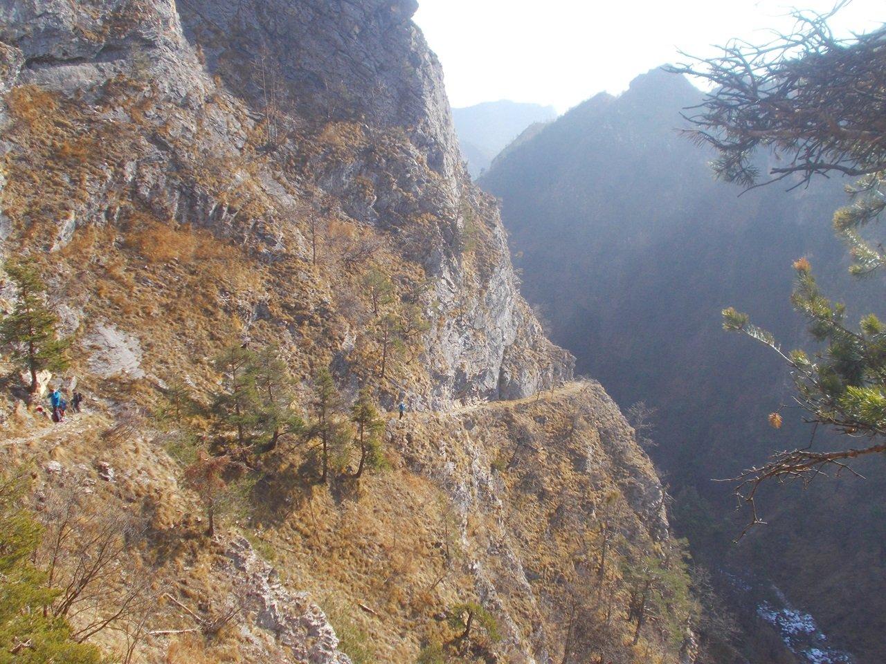 un tratto del sentiero nella Comba della Montagna