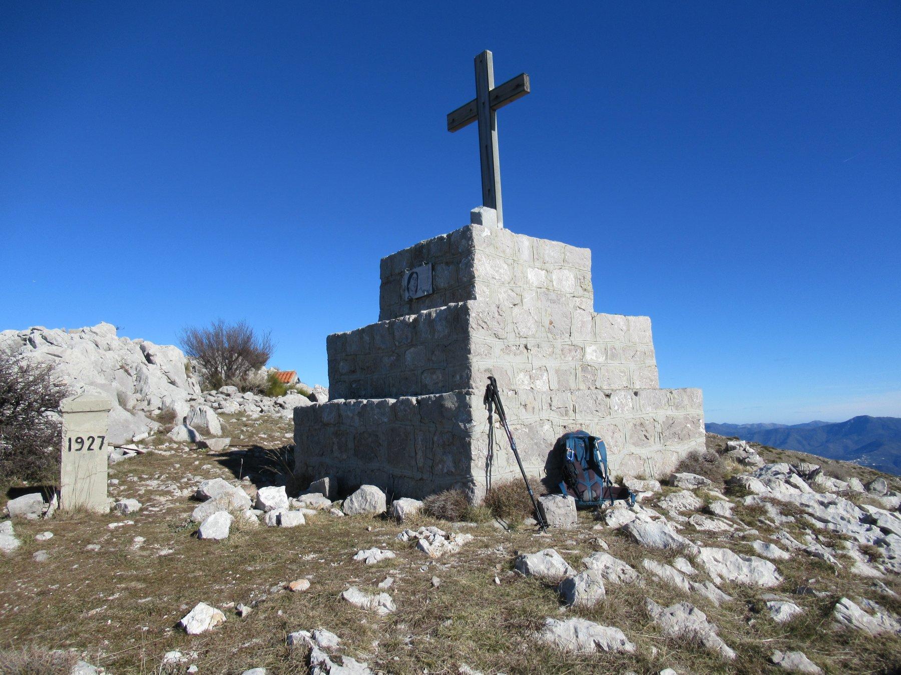 Monte Grammondo (m.1380).