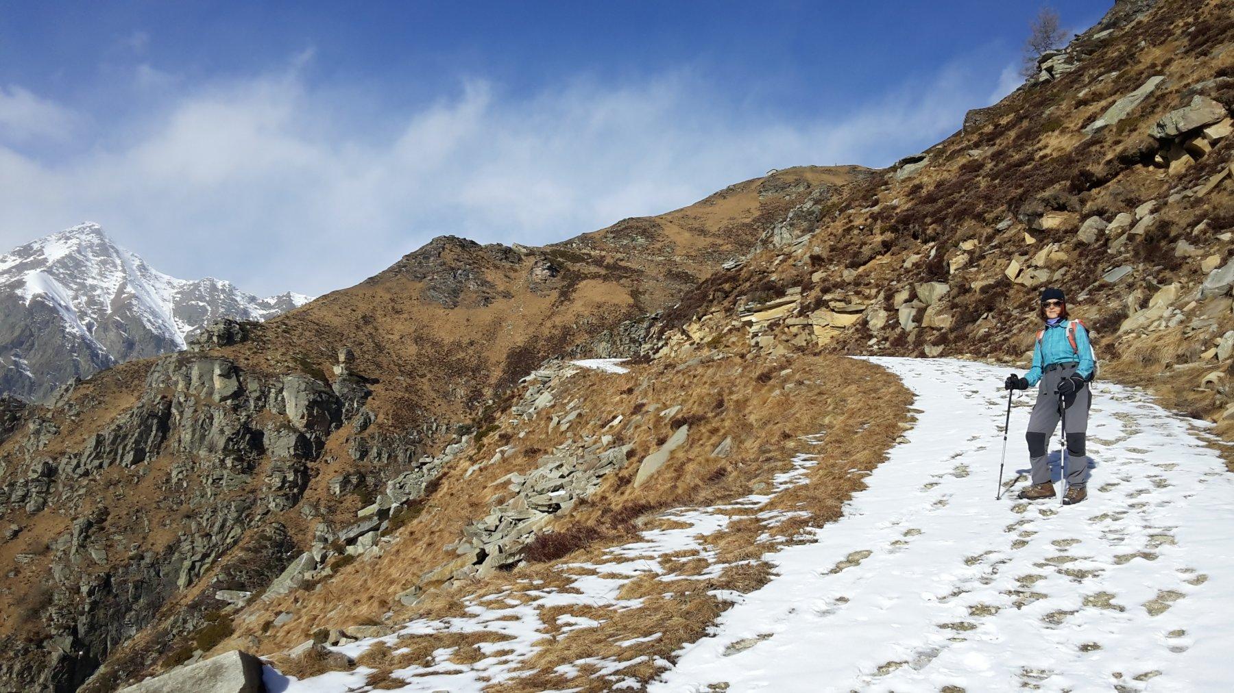 a sinistra il Cournour e al centro in alto l'alpe Caugis