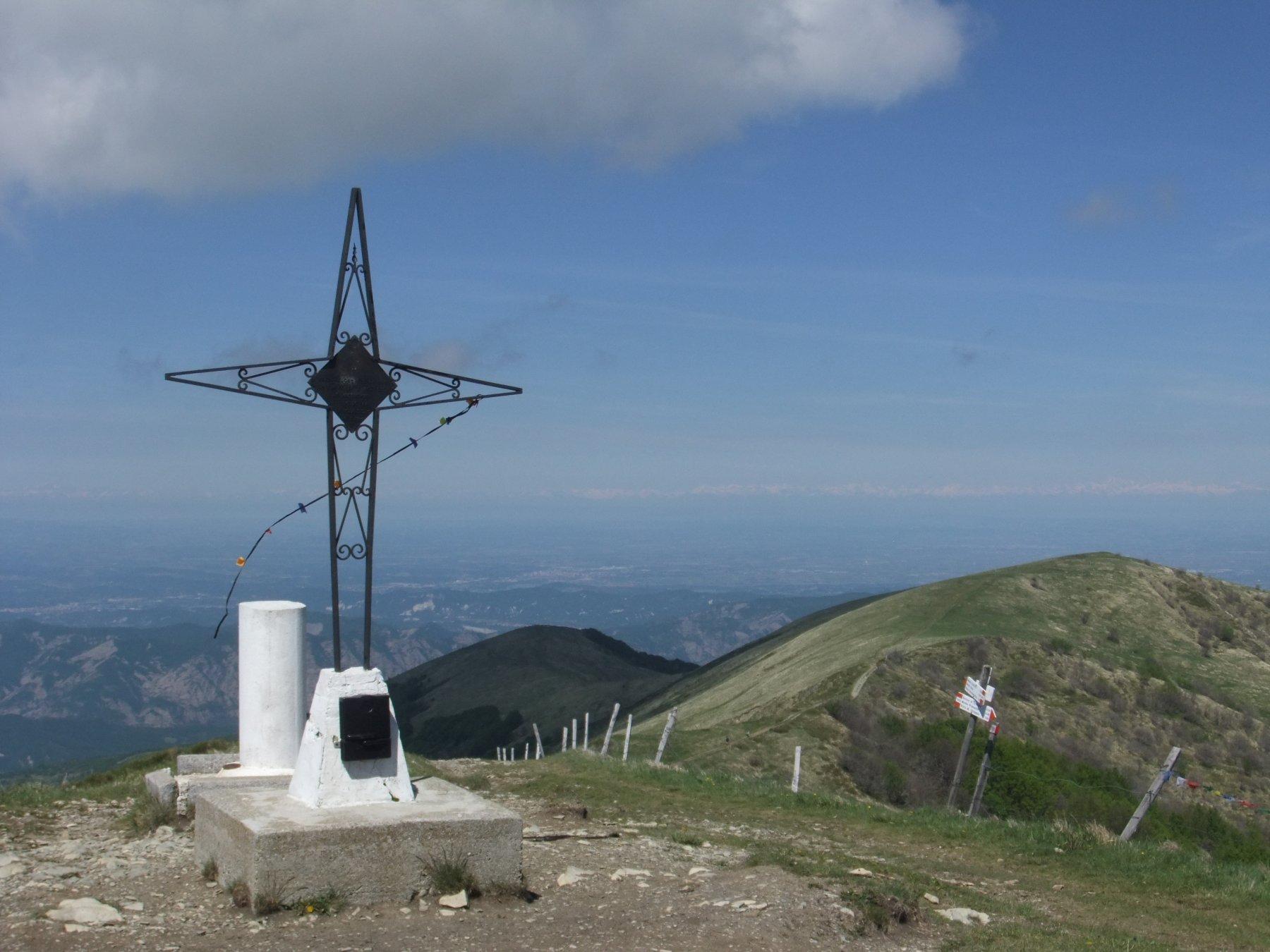 Ebro (Monte) da Cabella Ligure per Pobbio e Monte Roncasso 2020-04-05
