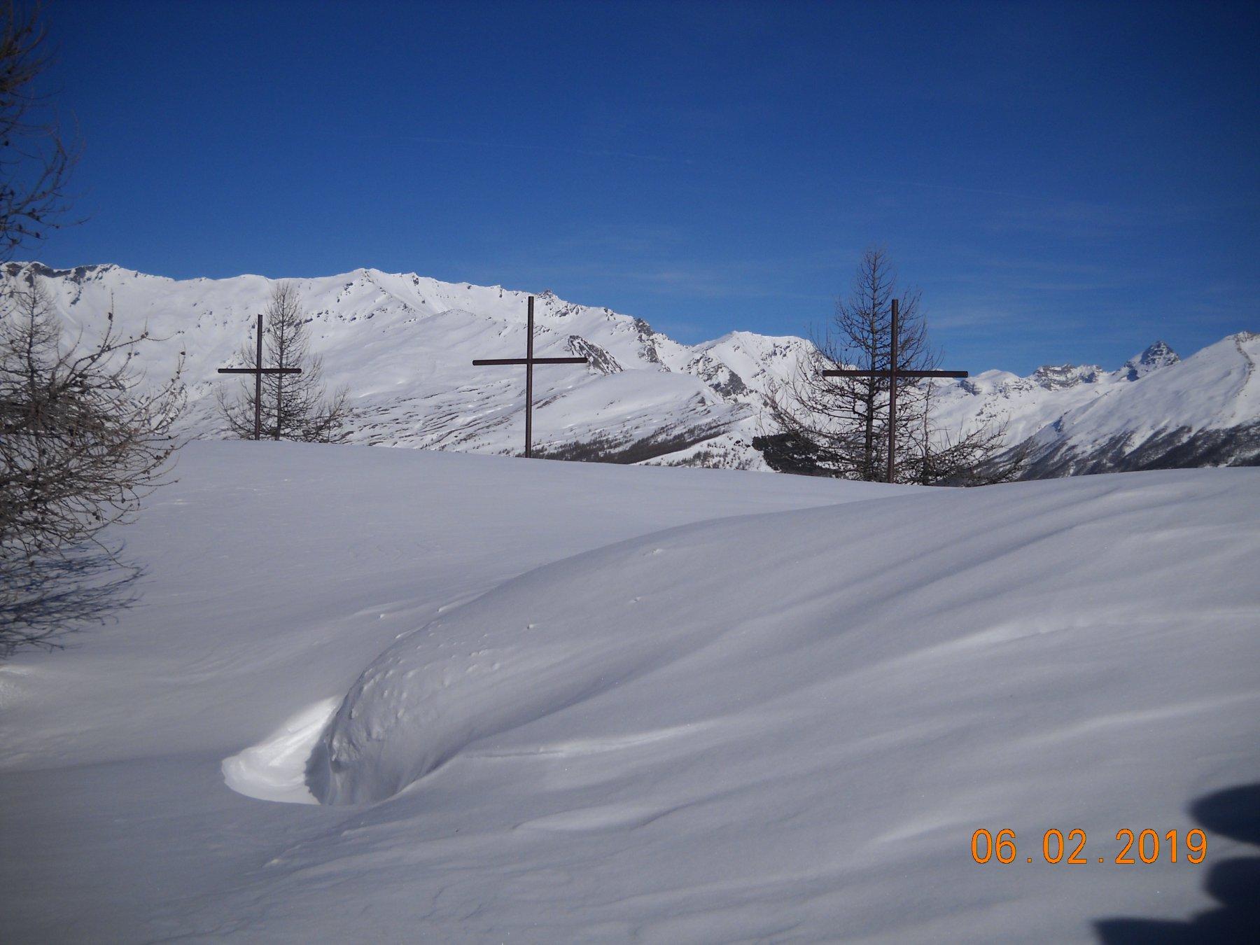 Poggio tre croci ancora vergini con 1 metro di neve