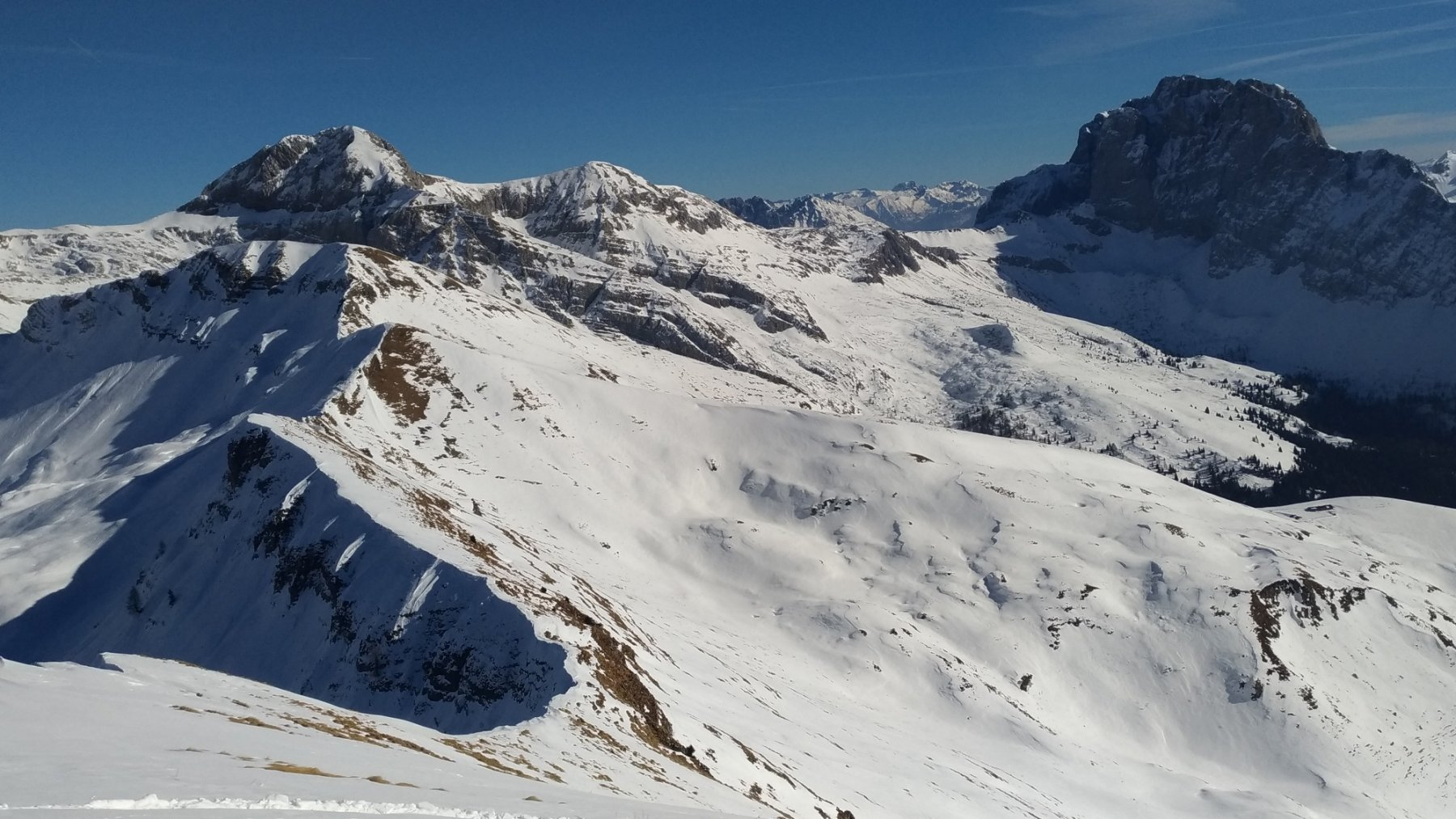 Dalla cima del Benfit, Ferrante sx e Presolana dx