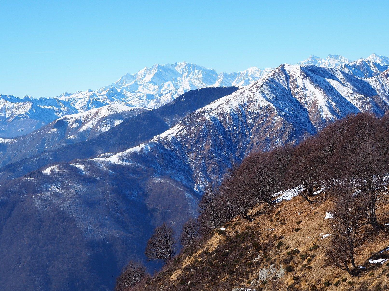 Dallo stesso punto panorama verso il Monte Rosa.