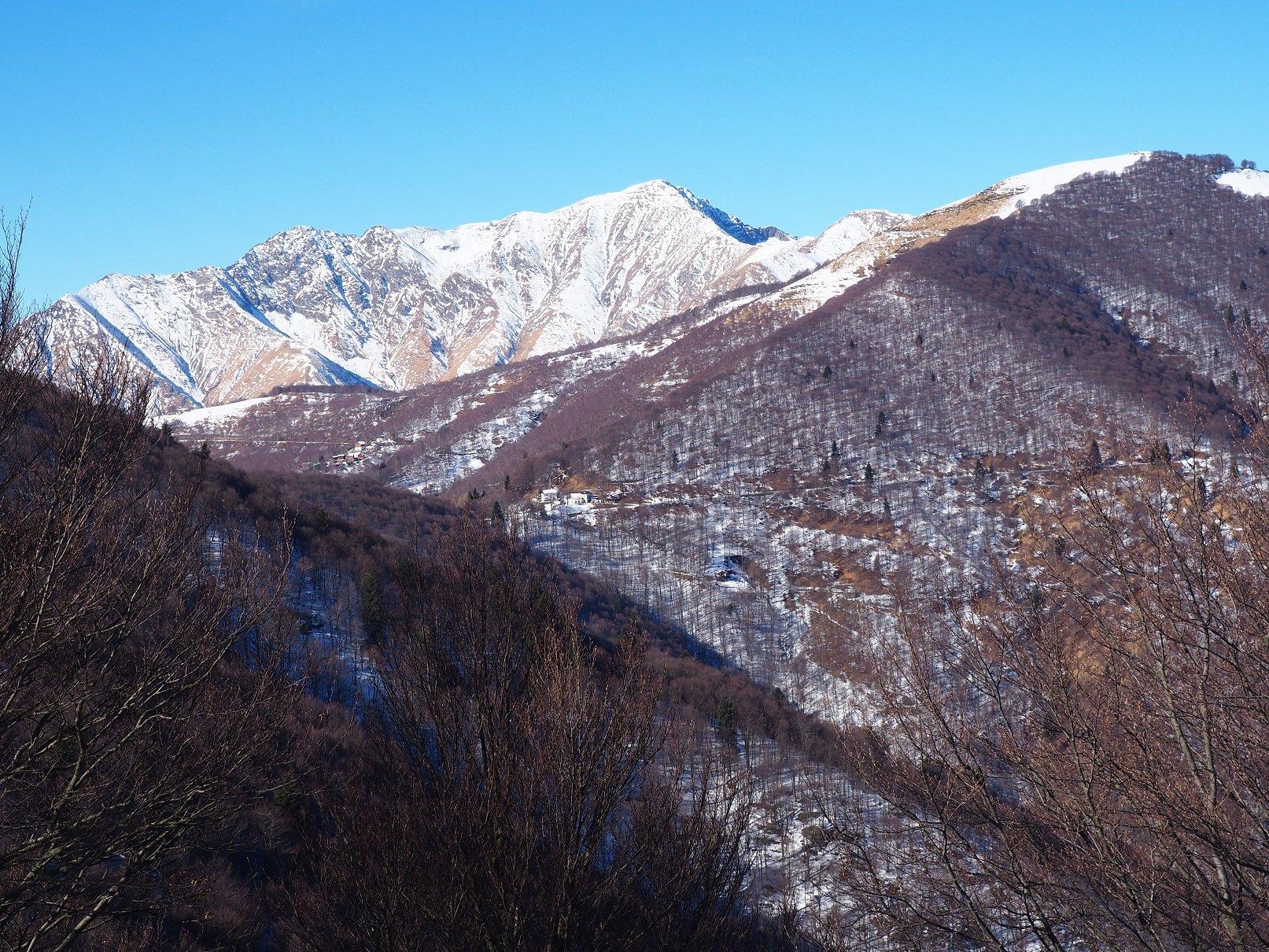 Il Monte Zeda visto dal Morissolo.