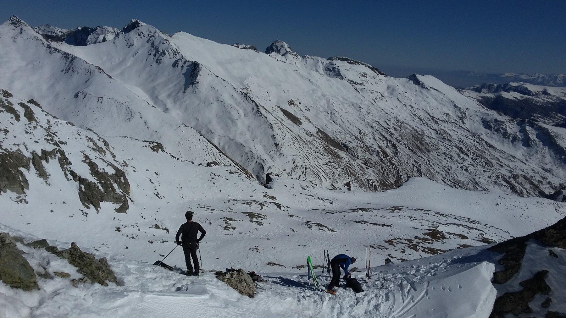 Deposito sci dalla vetta