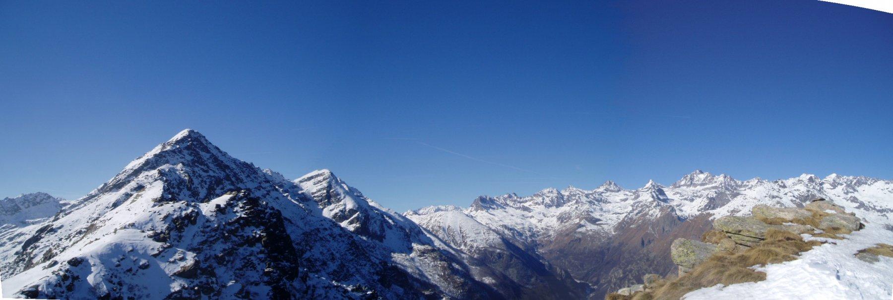 Monte Tovo ? e  catena dal Gran Paradiso al Gr.S. Pietro Becco Alpetto.o