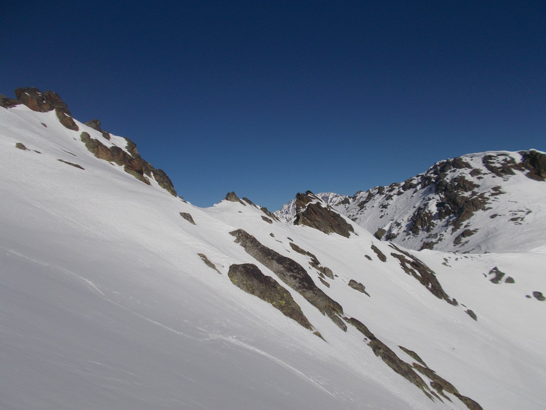 Il colle che separa la val Citrin dalla valle del Col Serena