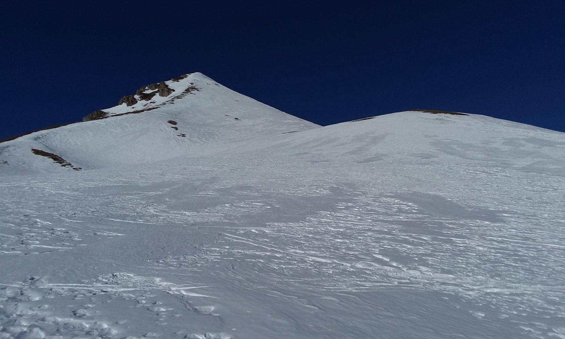 pendio finale e neve primaverile irregolae