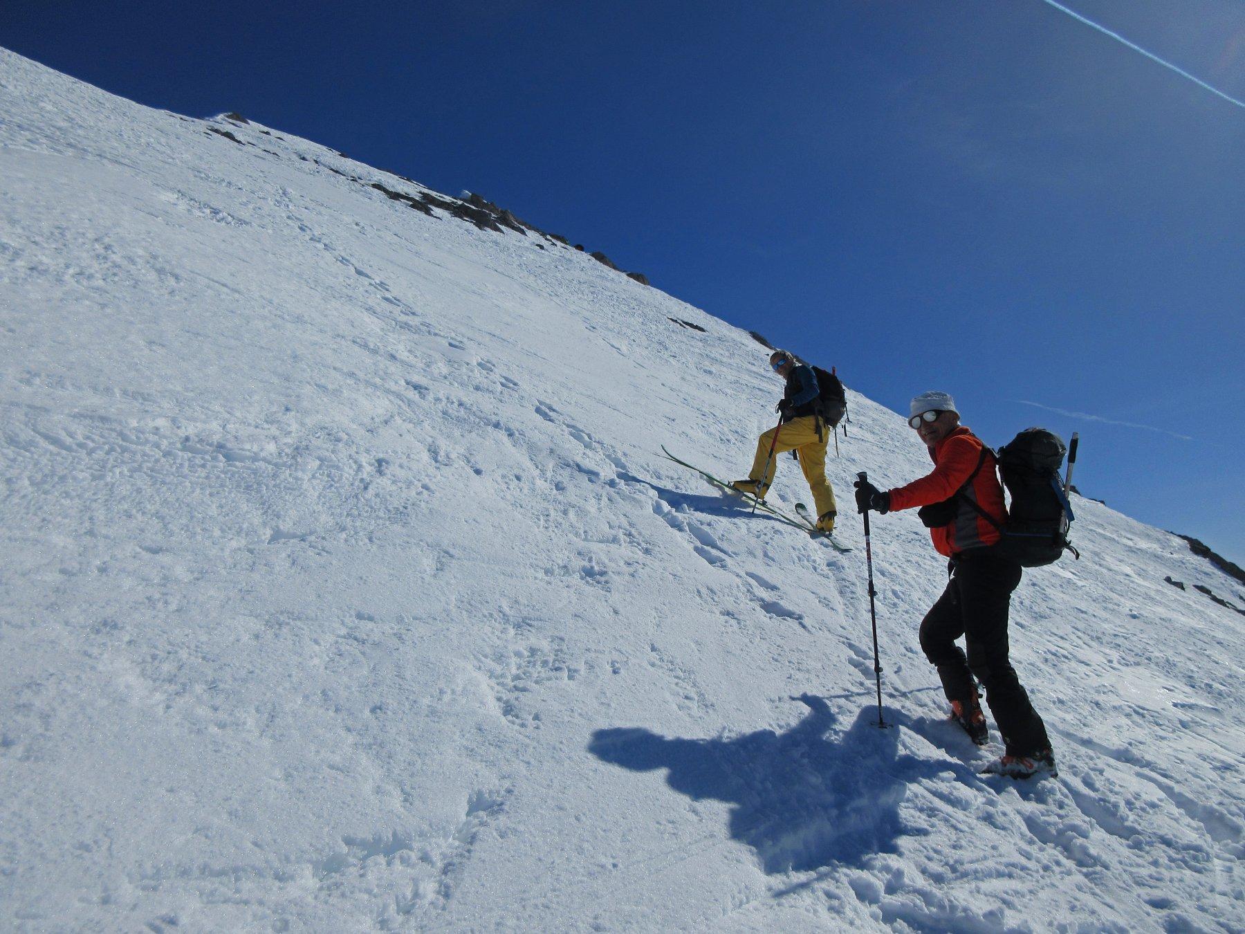 Chi sale a piedi chi con gli sci