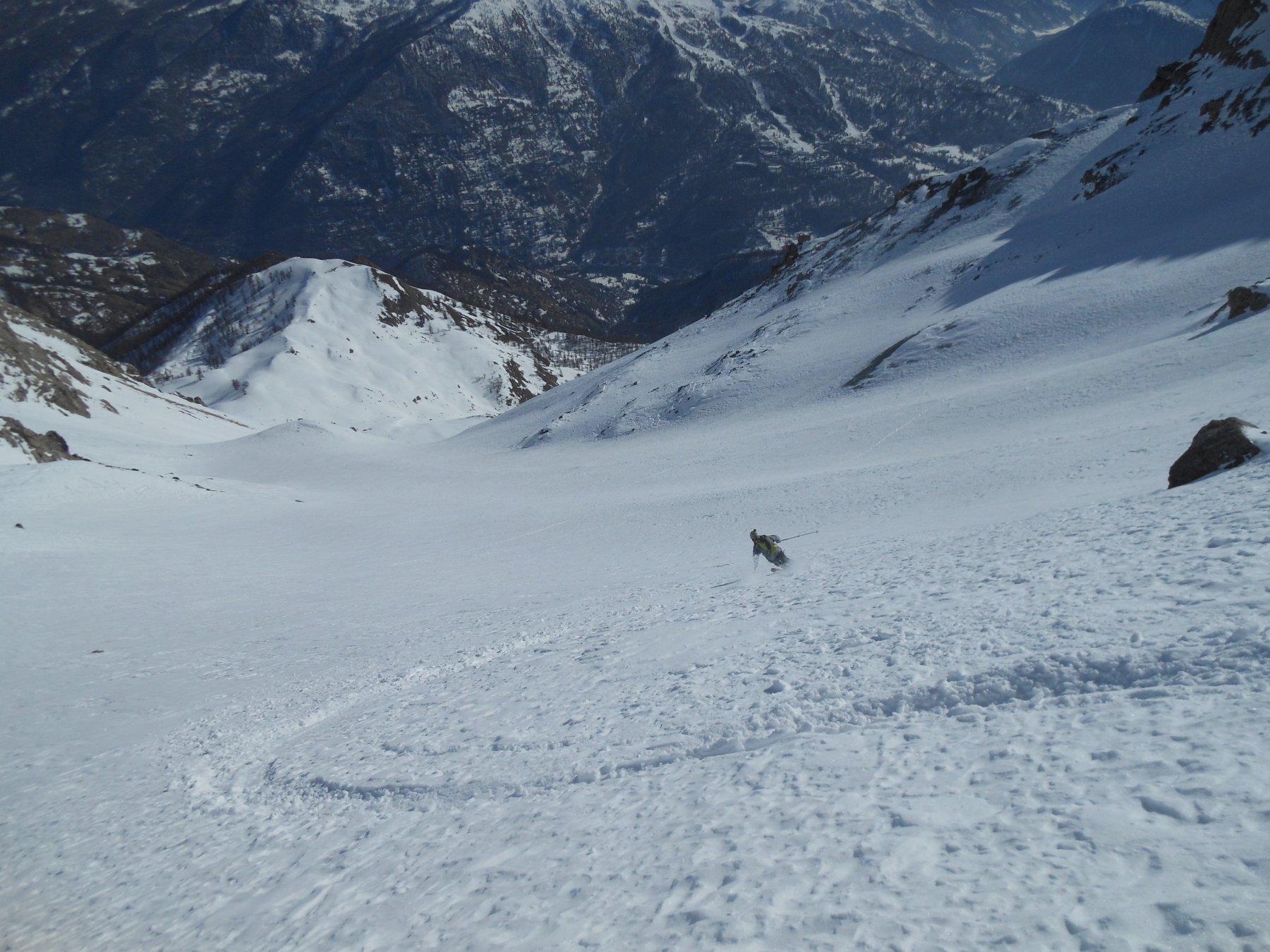 Curvoni in alto in neve vecchia