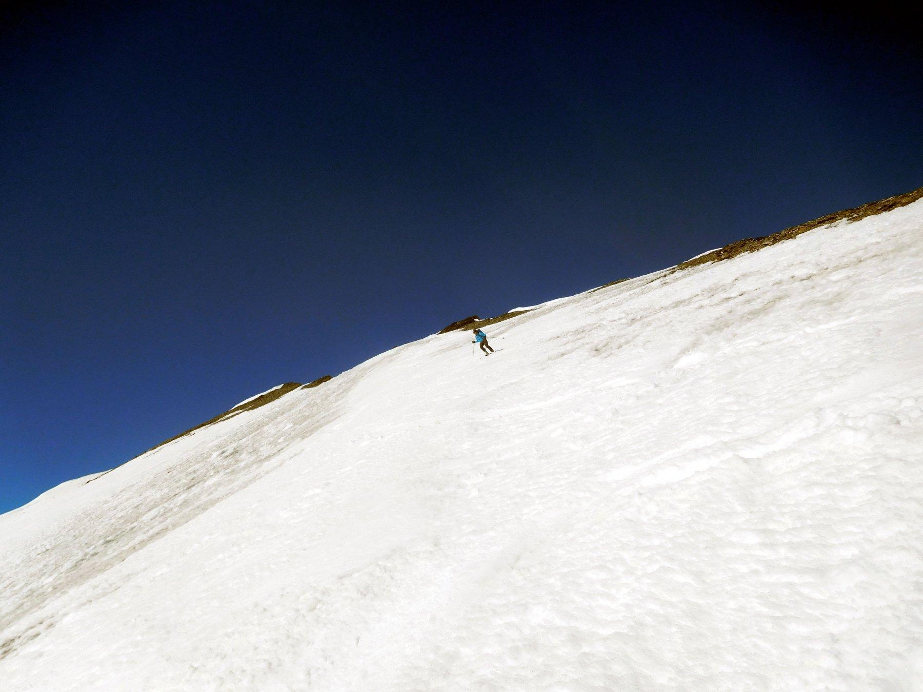 breve passaggio a sud sotto la cima